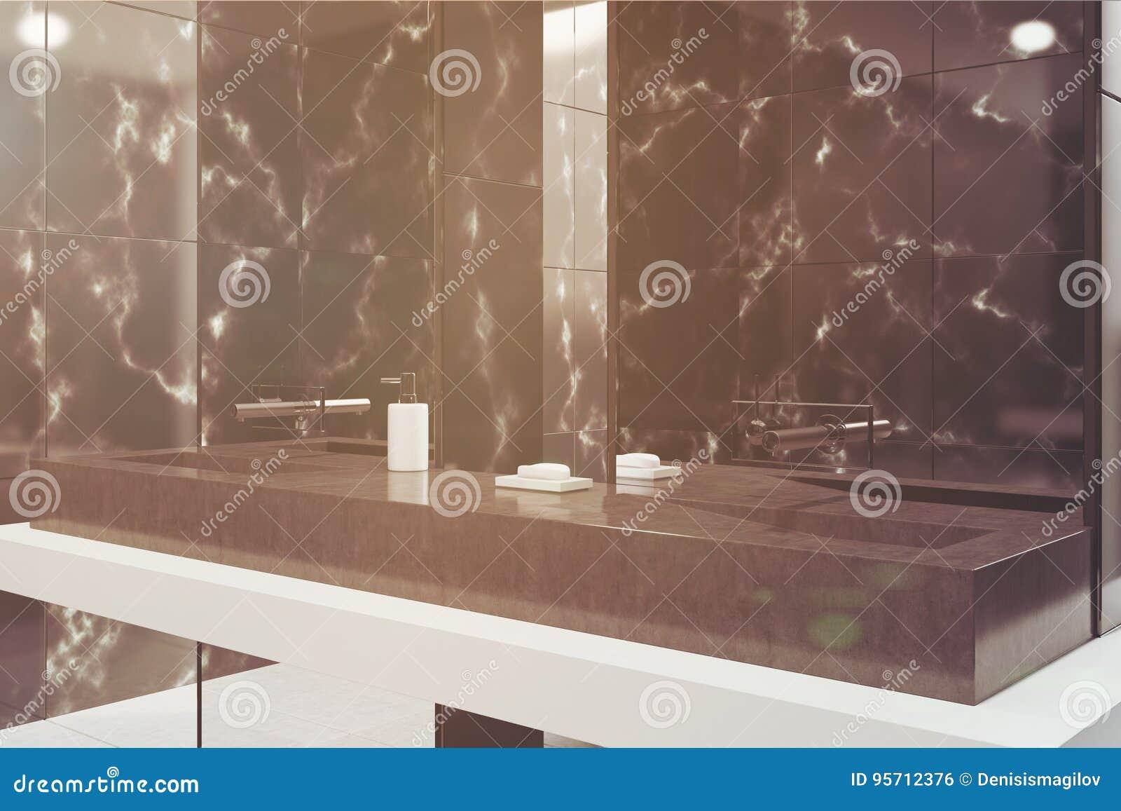 Bagni In Marmo Nero : Bagno di marmo nero panoramico primo piano tonificato