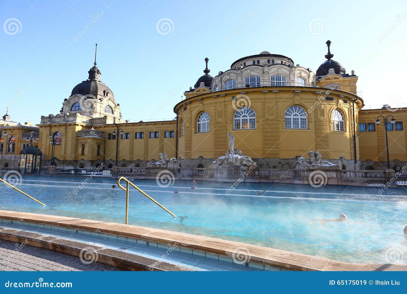 Bagno Di Szechenyi A Budapest, Ungheria, Il 7 Gennaio 2016 Immagine ...