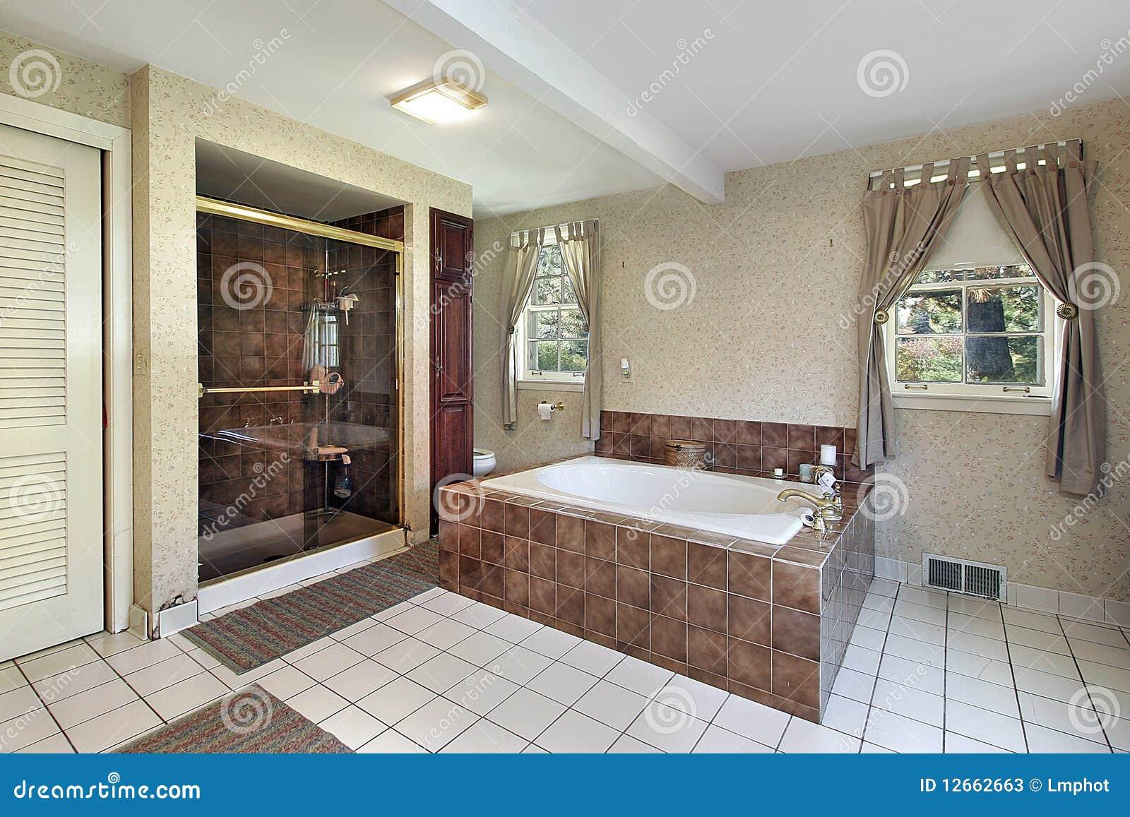 Bagno matrice con la vasca di marmo fotografie stock - Bagno di marmo ...