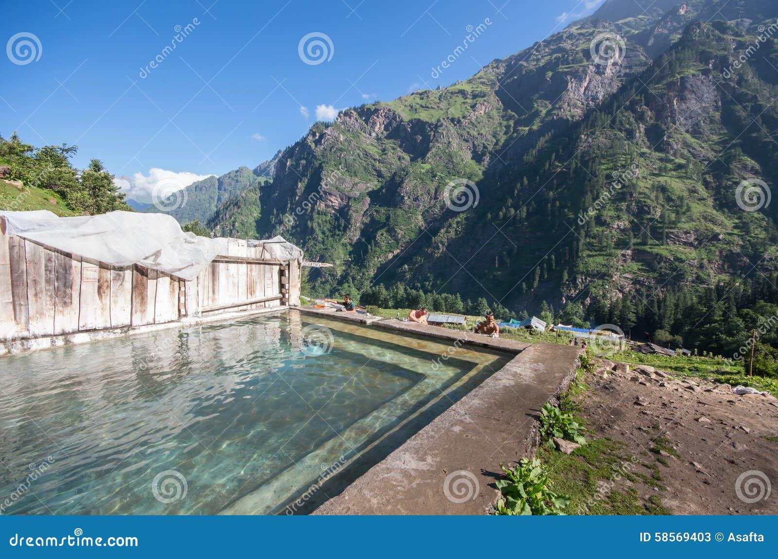 Bagno termico a Khir Ganga - l India