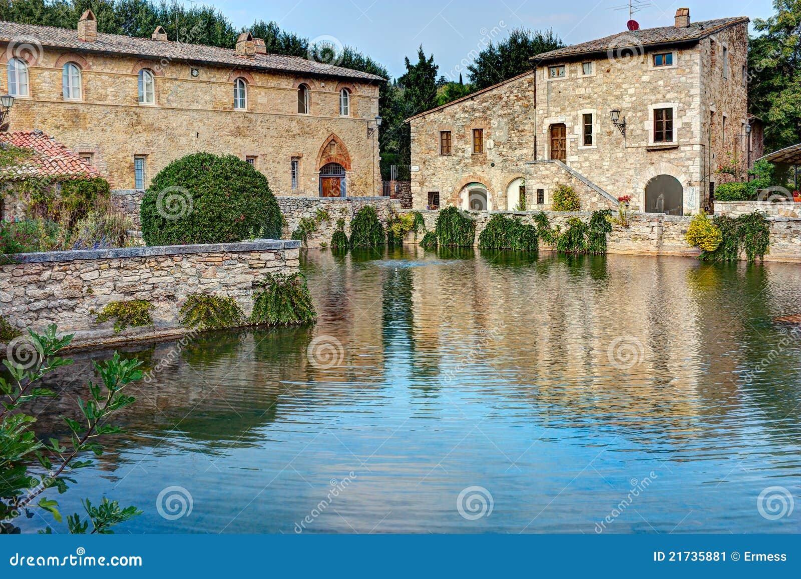 Bagno vignoni stockbild bild von architektur frühlinge