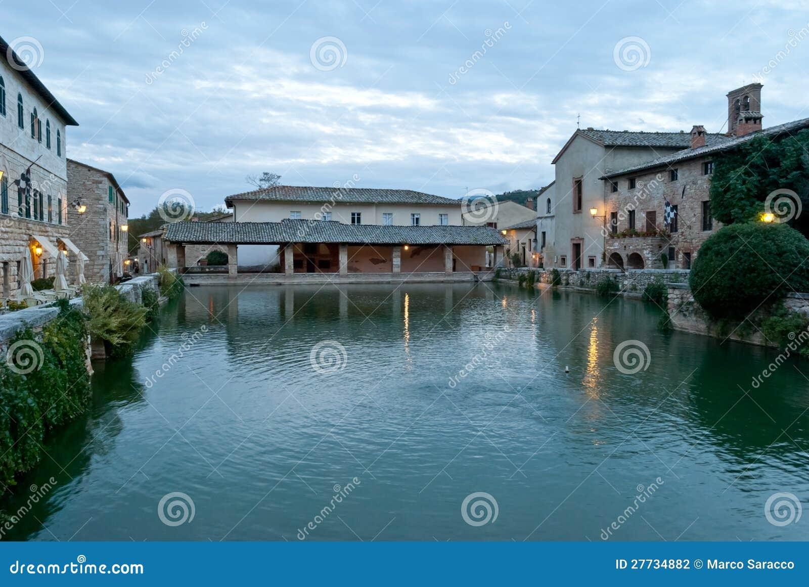 Bagno Vignoni heiße Frühlinge, thermisches Wasser, Toskana