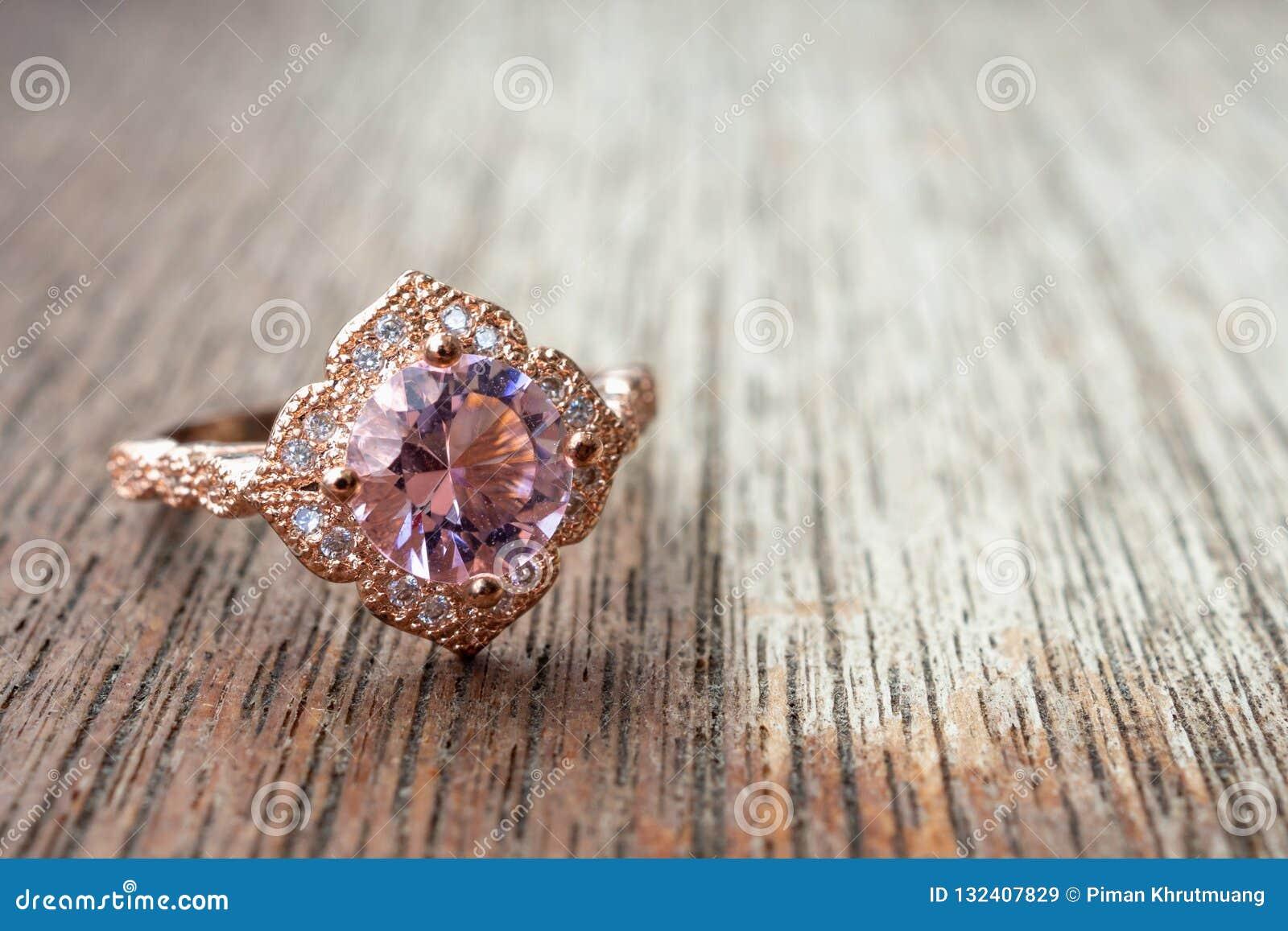 bague diamant bois