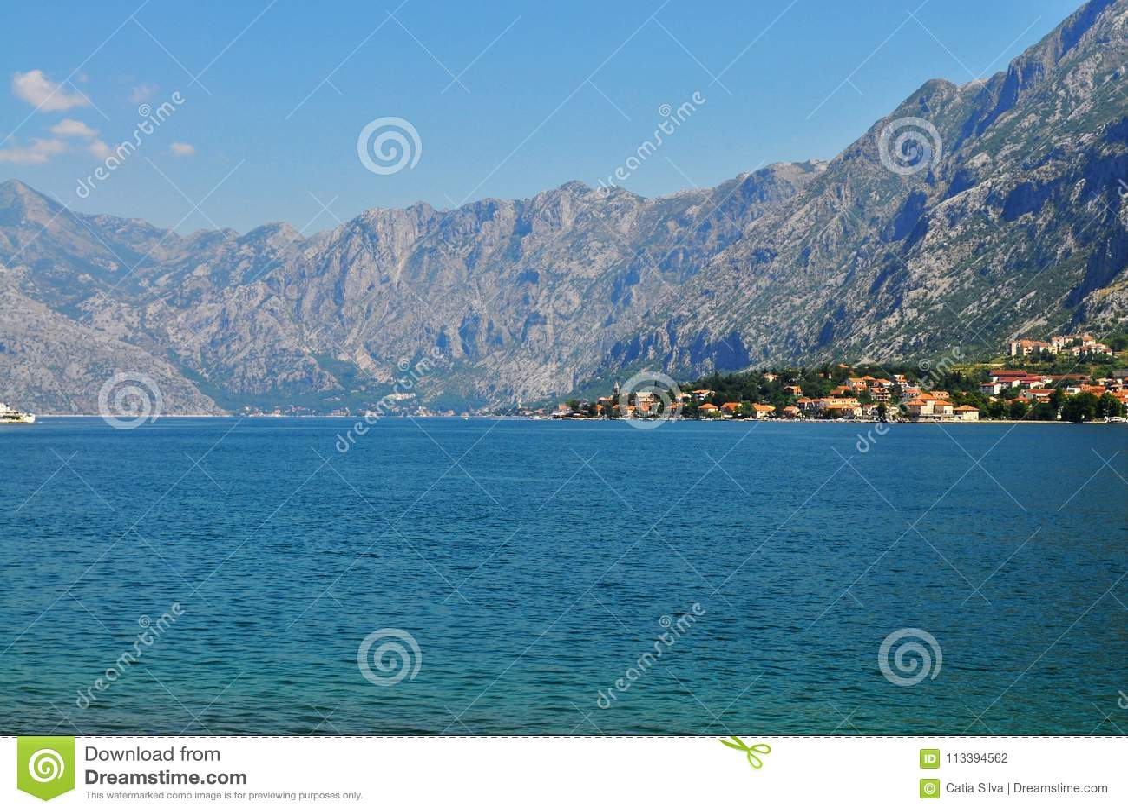 Bahía de Kotor del nivel del mar