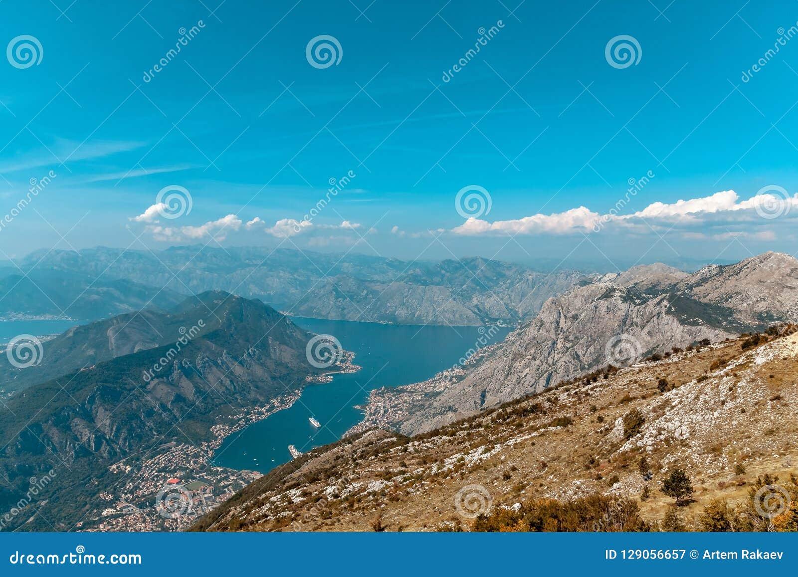 Bahía de Kotor de las alturas