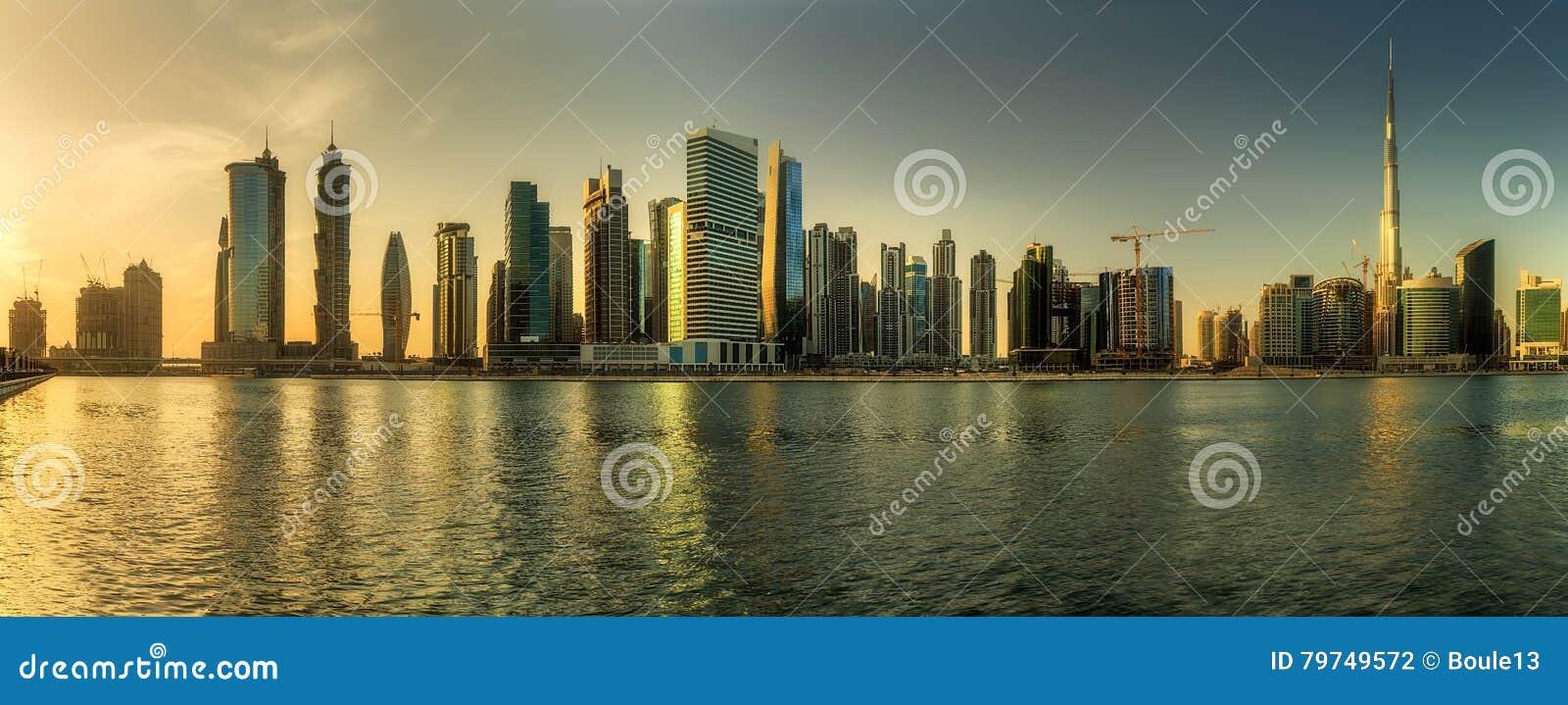 Bahía del negocio de Dubai, UAE