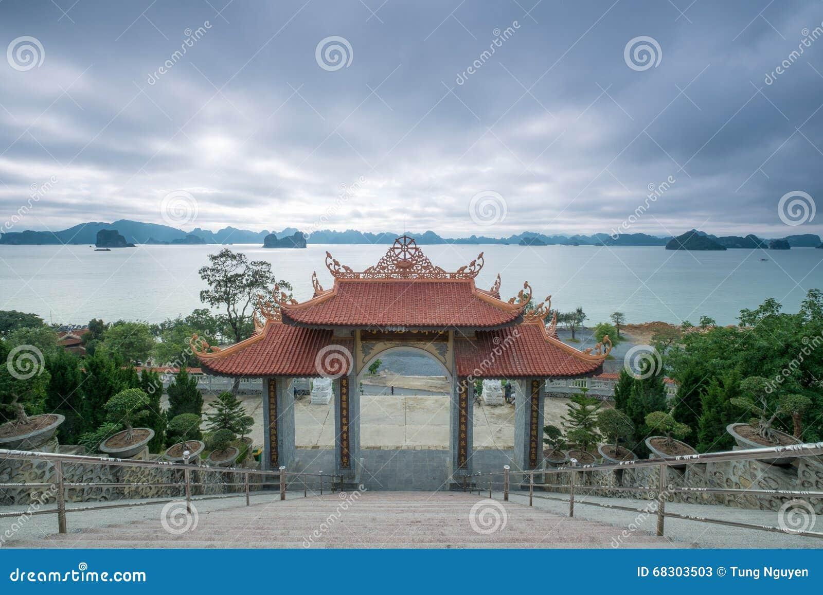 Bai Tu Long Bay view from Cai Bau Pagoda - Truc Lam Temple