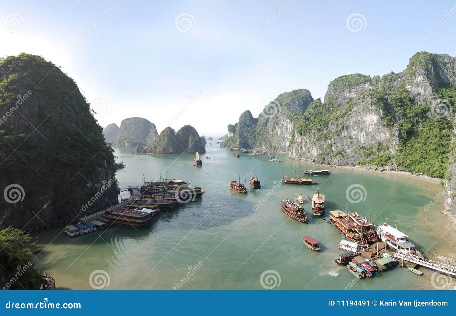 Baia Vietnam di Halong