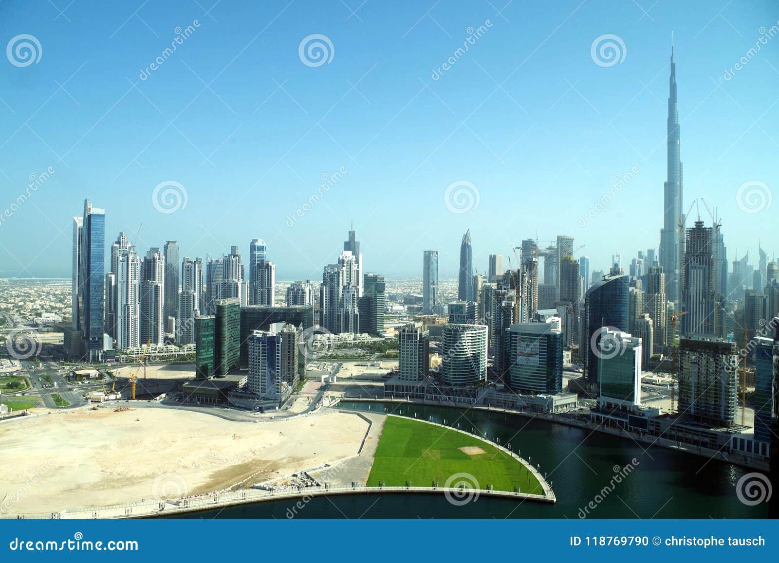 Baie d affaires à Dubaï, une forêt de gratte-ciel