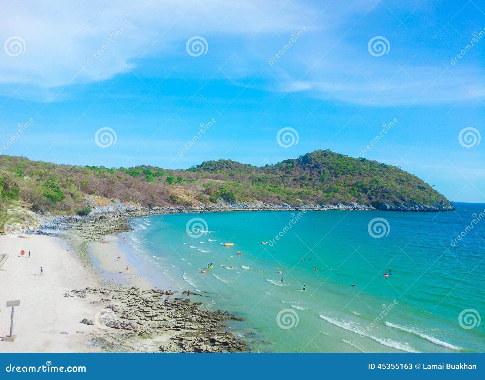 Baie d Assadang à l île de Sichang, Thaïlande