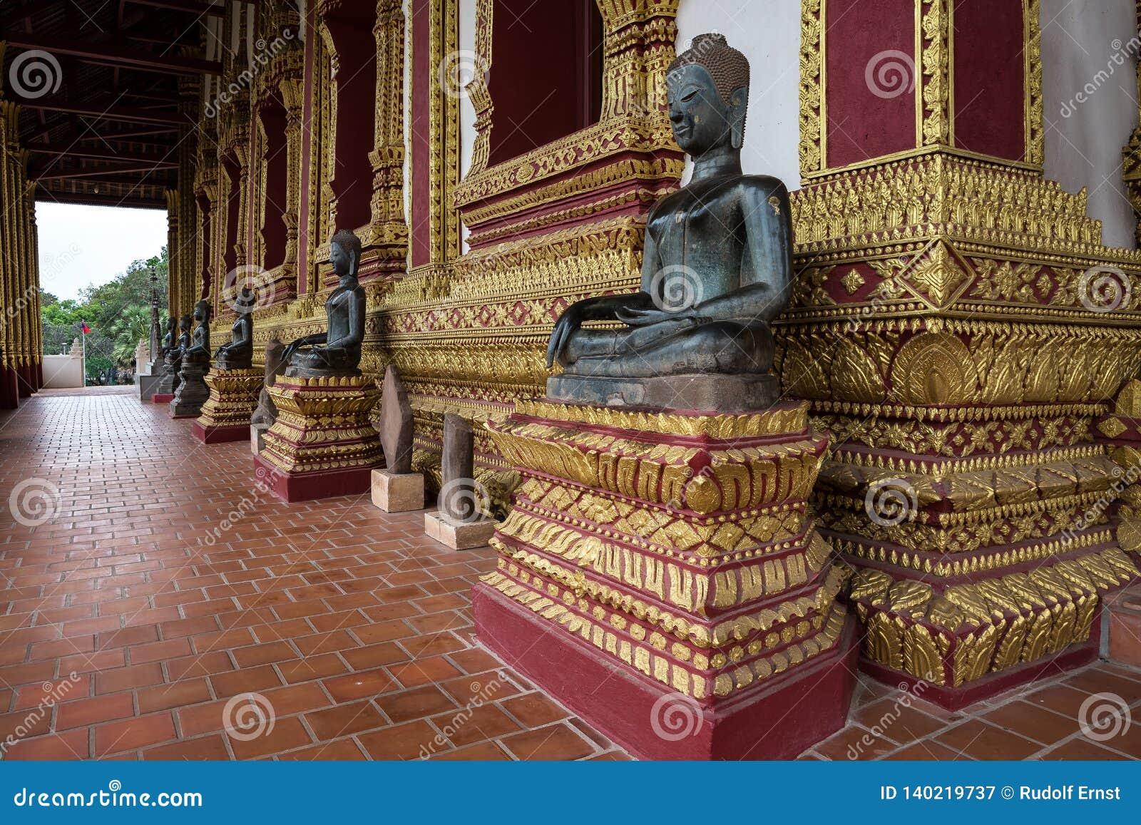 Baie d aubépine de visite Phra Kaew, également écrit comme Ho Prakeo à Vientiane, le Laos