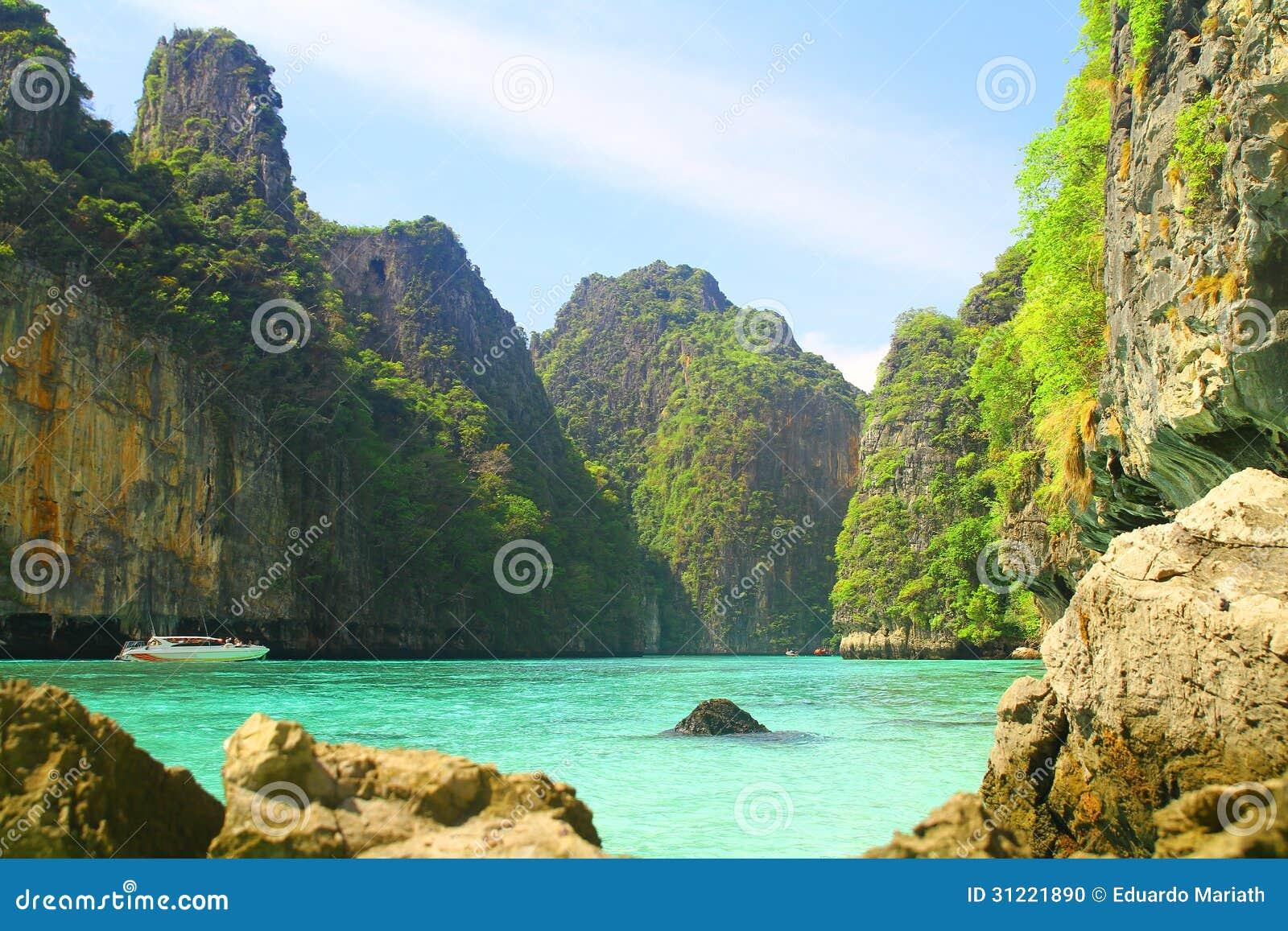 Baie de Pileh sur Koh Phi Phi Le Island - la Thaïlande