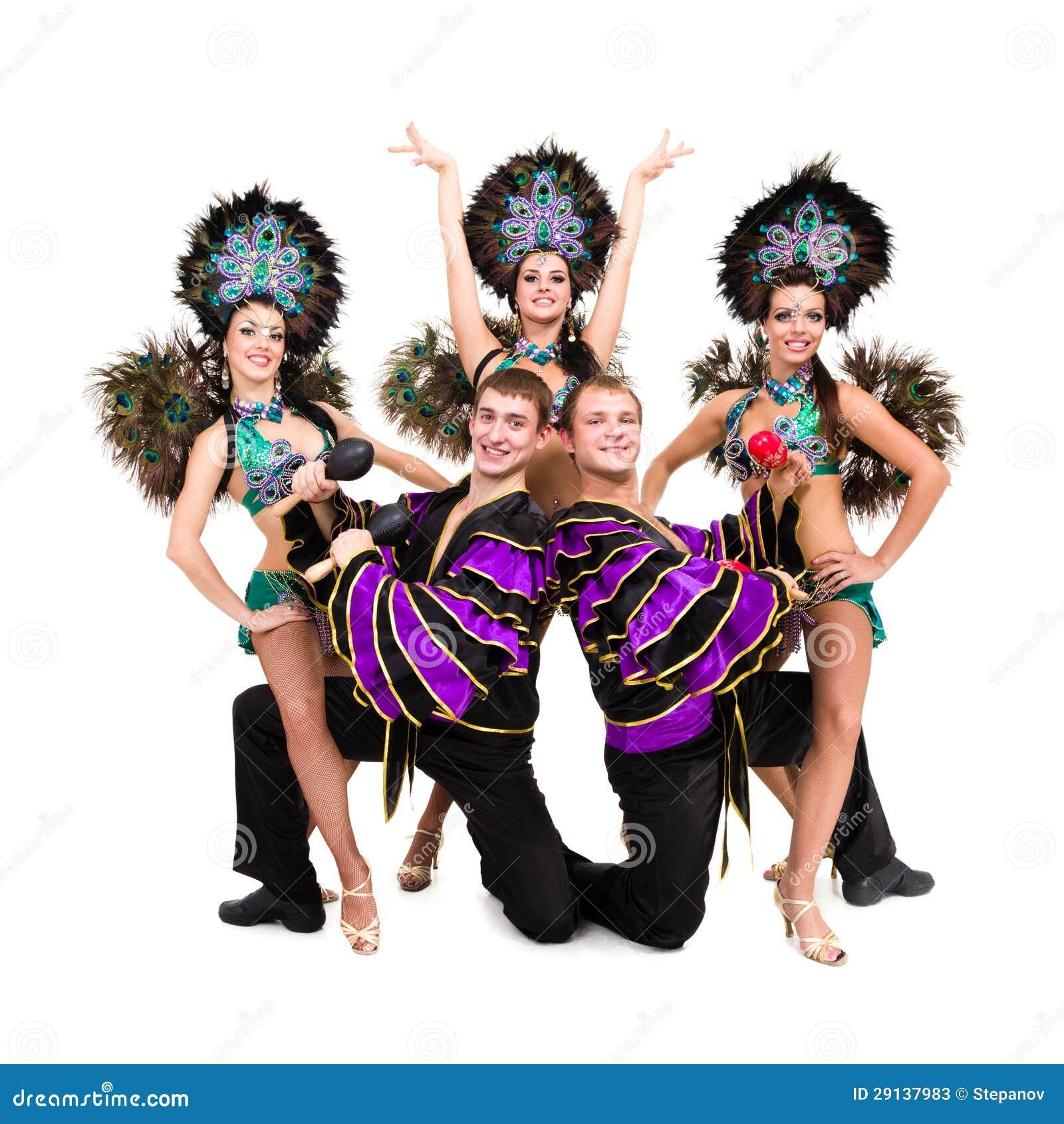 Bailarines en la presentación de los trajes del carnaval Fotos de archivo