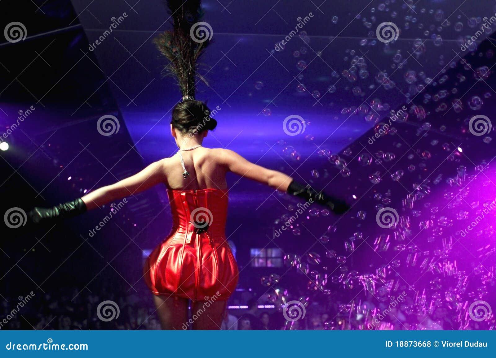 Bonito Juego De Los Muchachos De Baile Ideas Ornamento Elaboración ...