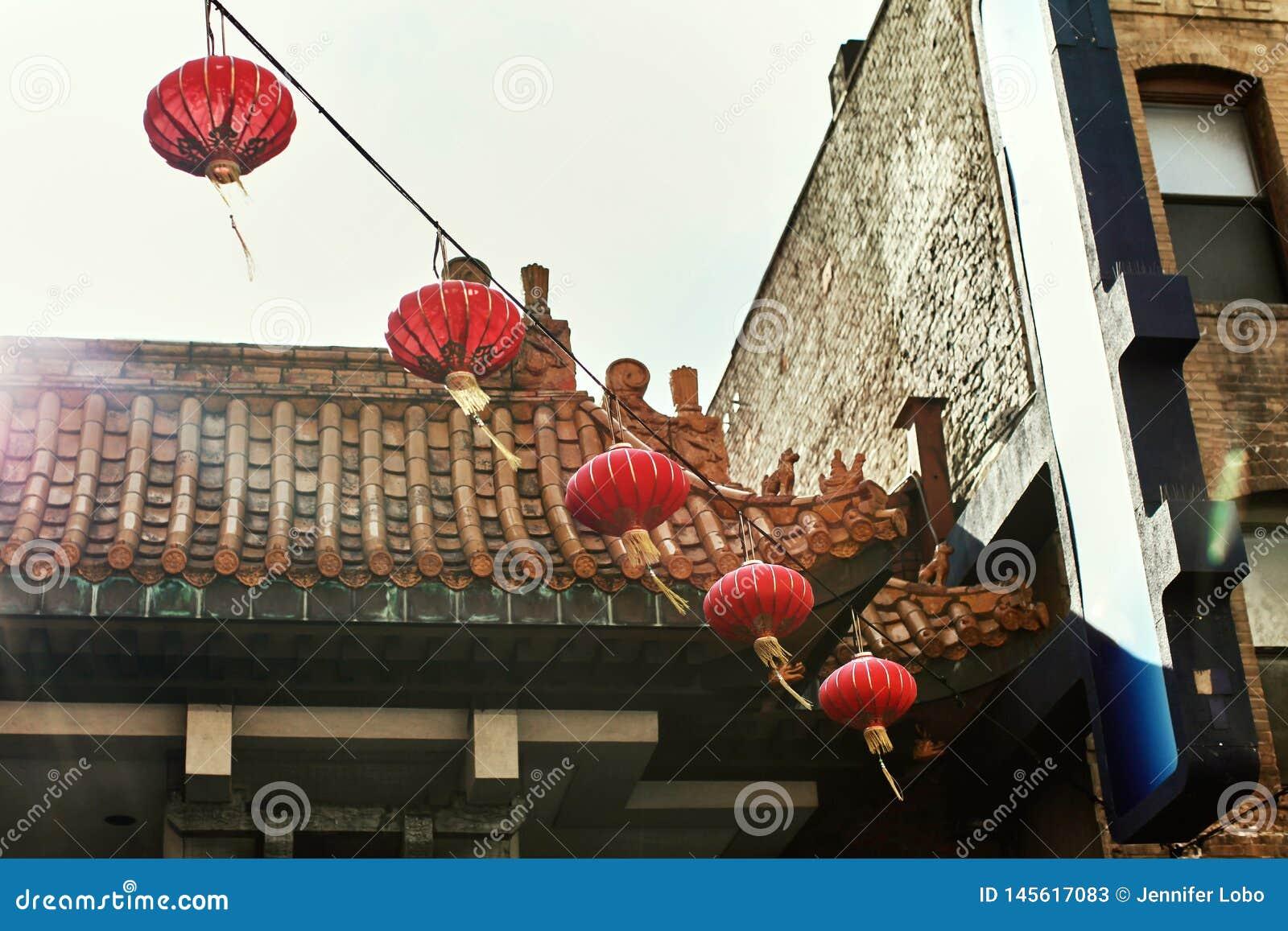 Bairro chinês colorido em San Francisco, Califórnia