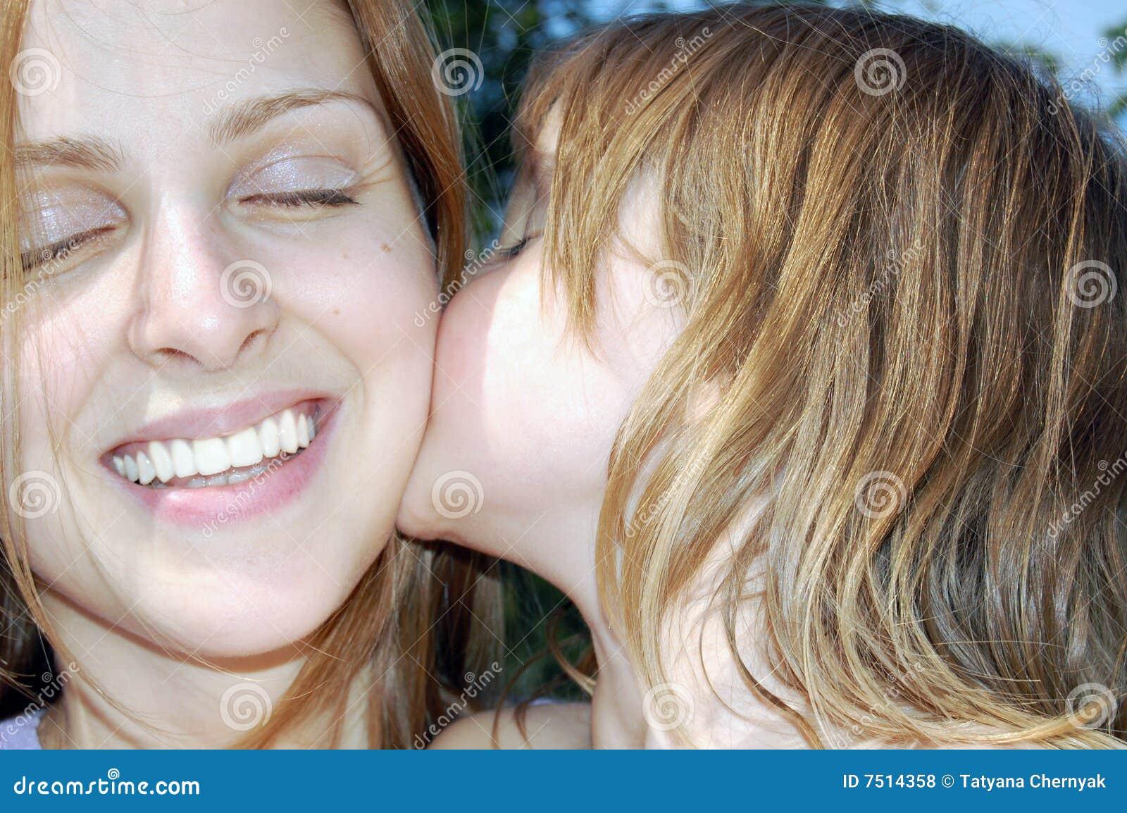 Elle baise des filles libres video