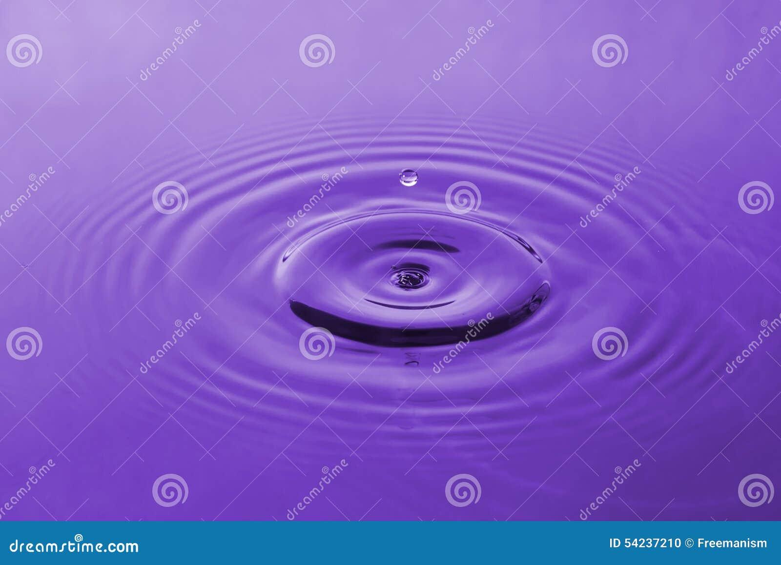 Baisse violette de l eau