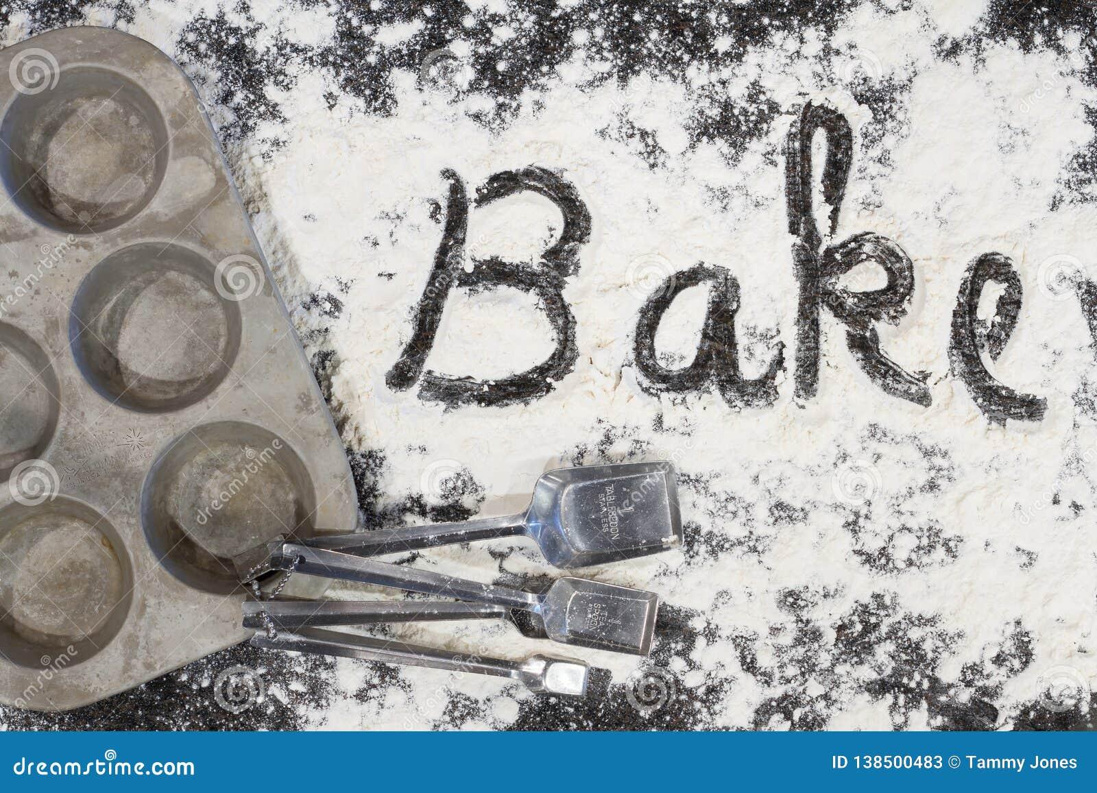 Bake deletreó en harina