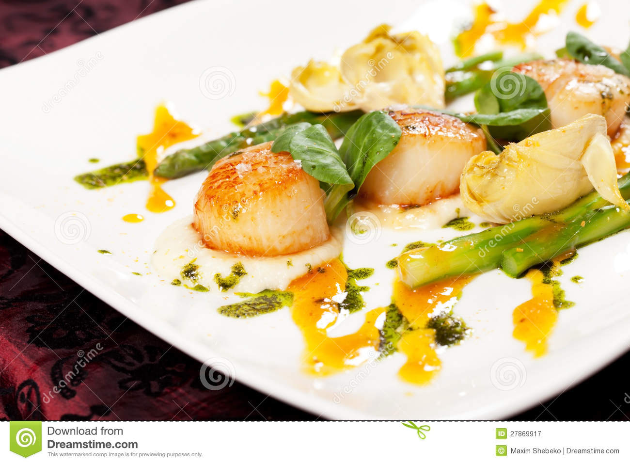 Baked Scallops With Asparagus Royalty Free Stock Photography - Image ...