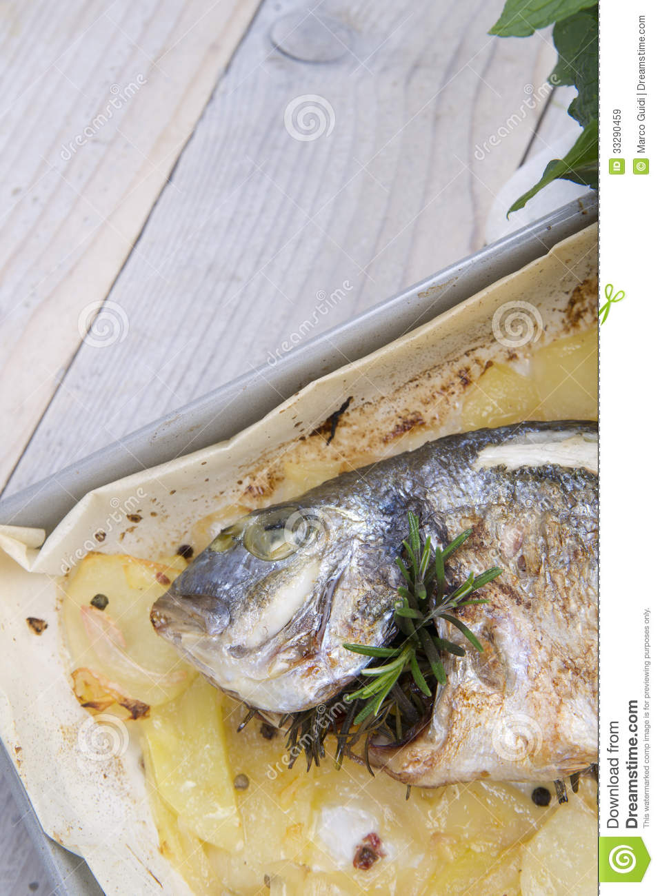 Baked sea bream royalty free stock images image 33290459 for Fish on main