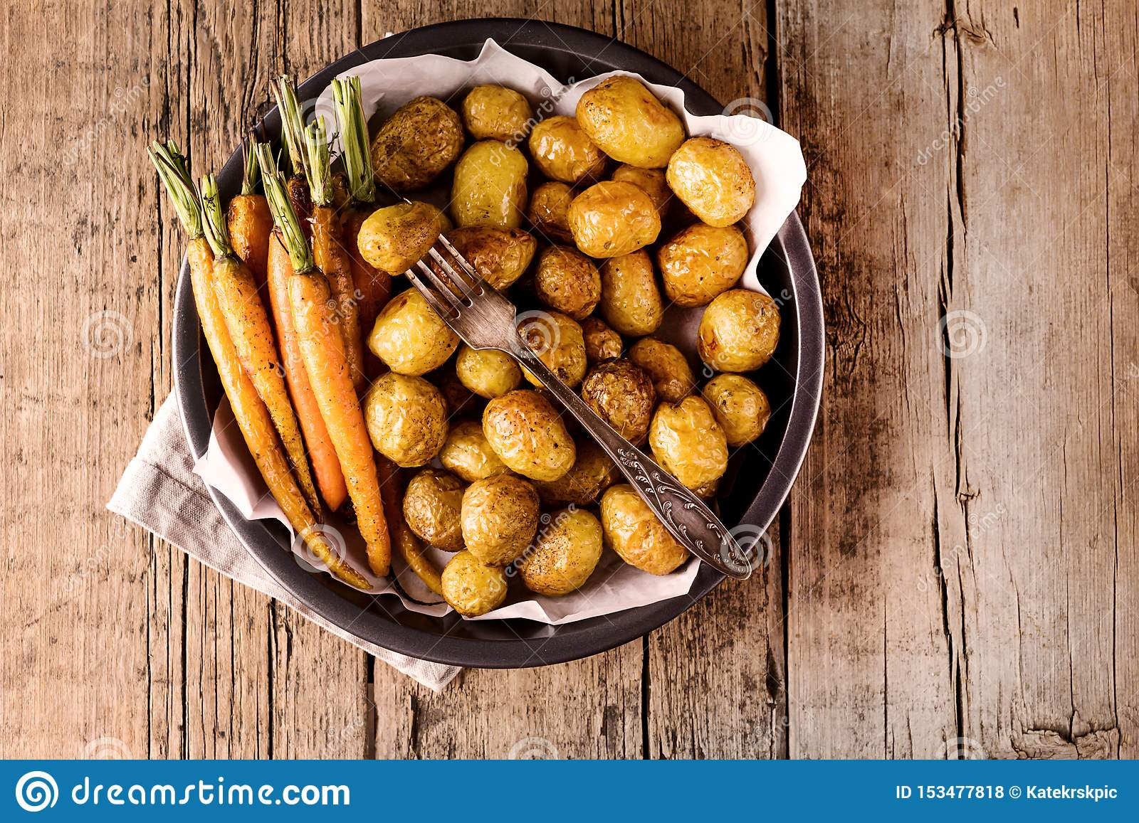 Baked Vegetables Grilled Carrots and Potatoes Vegetables Cooked on the Grill Wooden Background Healthy Diet Food Horizontal Copy