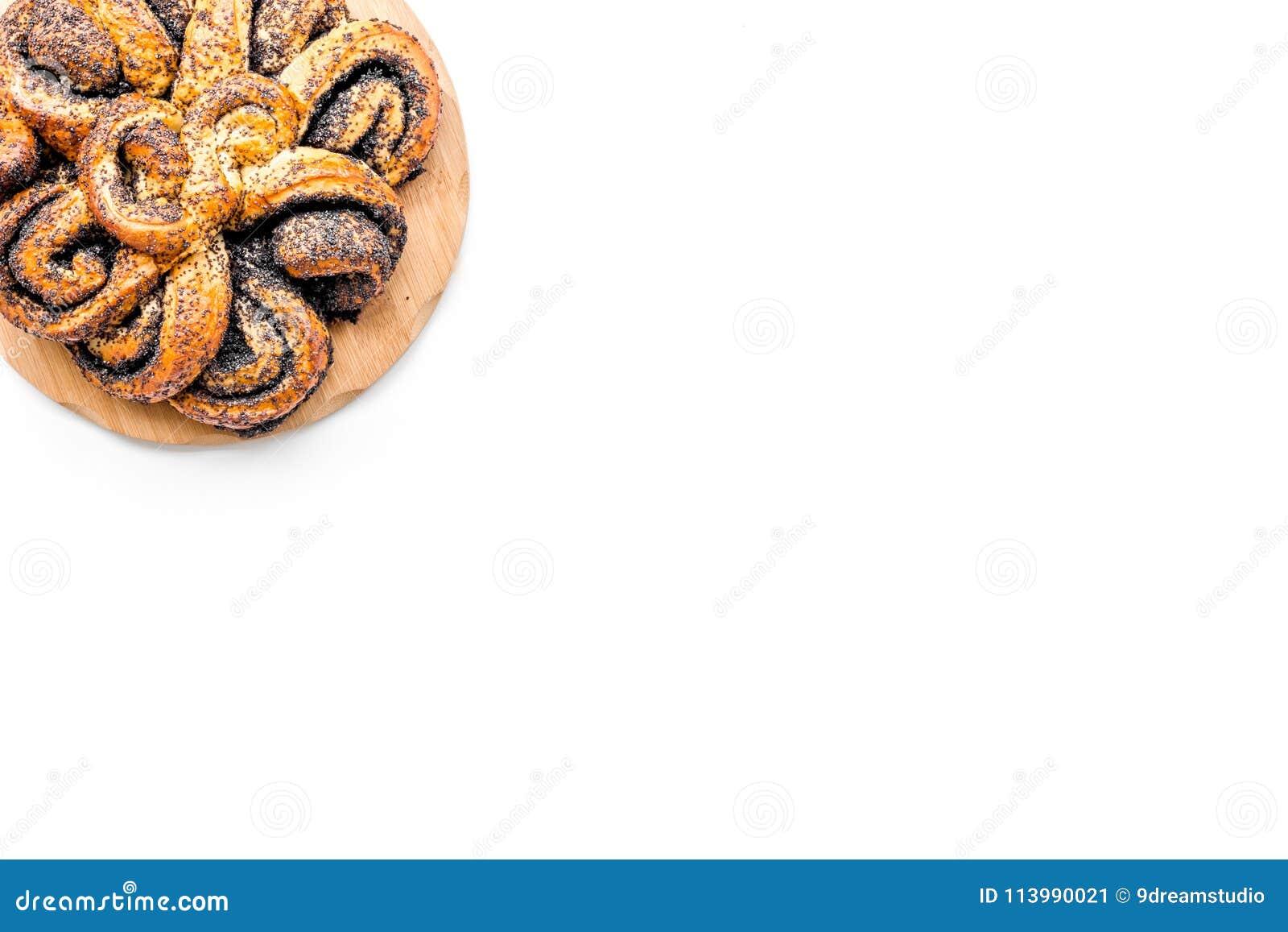 Bakersfield Большое печенье с маком на белом космосе экземпляра взгляд сверху предпосылки