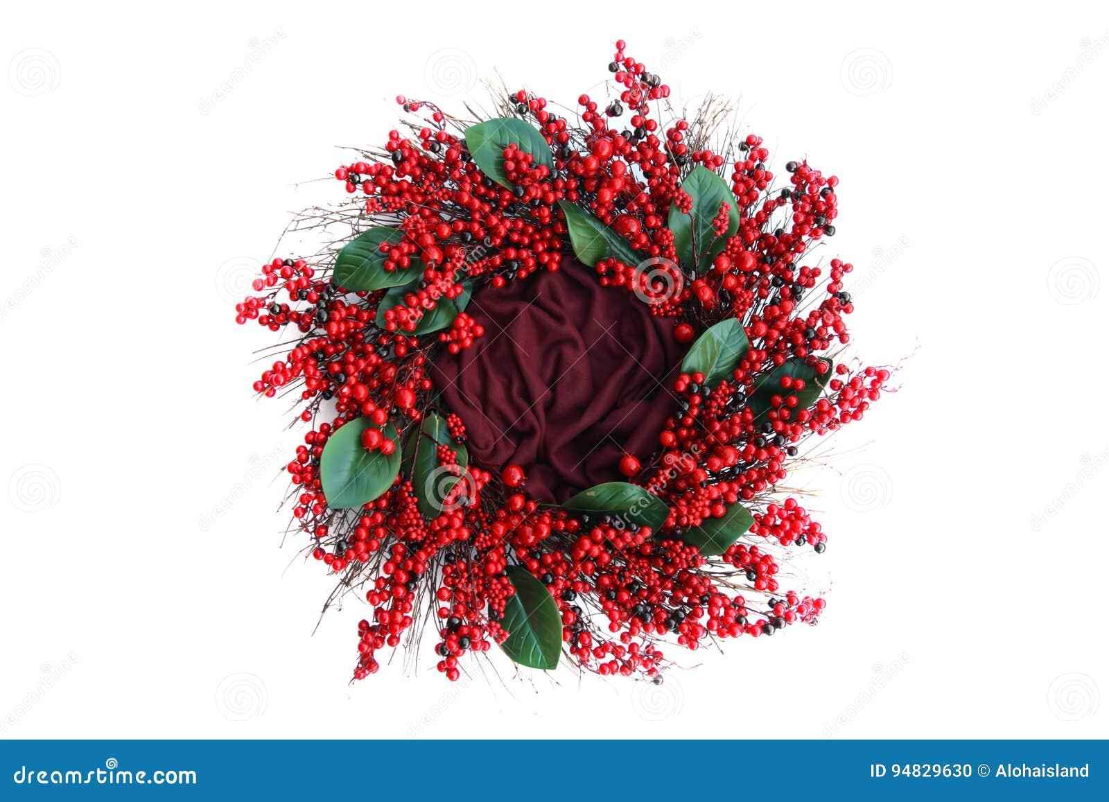 Bakgrund för Digitalt fotografi av röd Berry Holiday Wreath Isolated On vit
