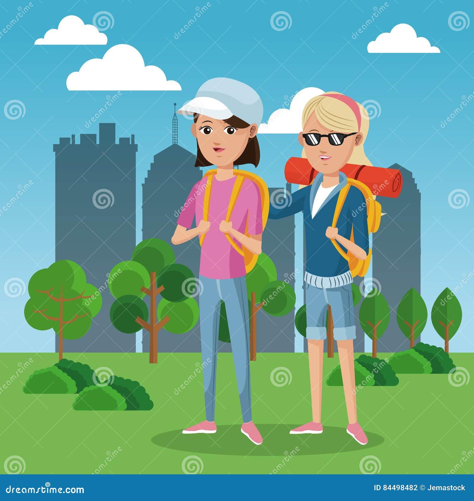 Bakgrund för stad för fält för gräsplan för lock för ryggsäck för två flickafrinds turist-