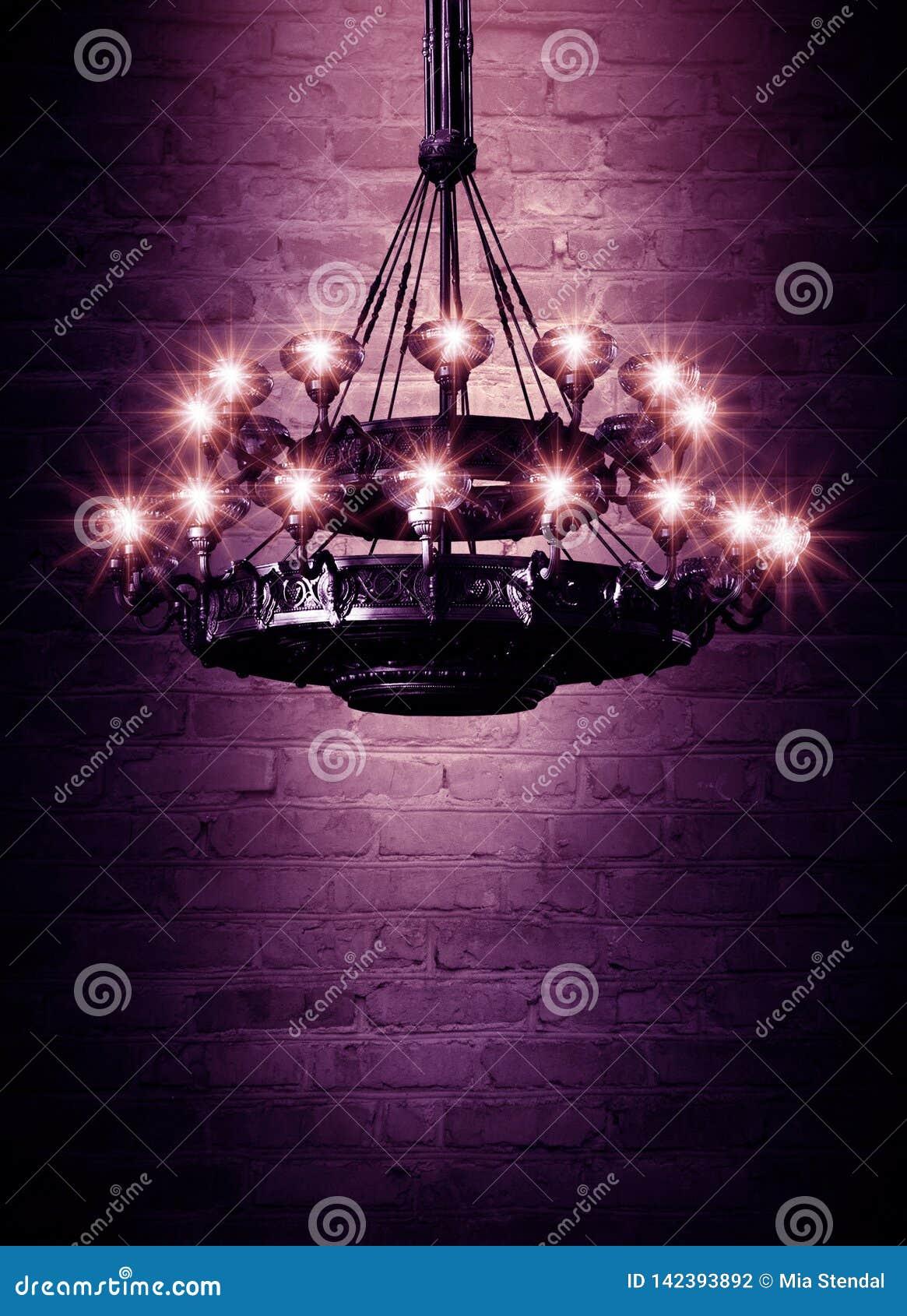Bakgrundsabstrakt begrepp, abstrakt bakgrund, rök, smog Mörkt rum för nattsikt, rum, korridor med mycket ljus