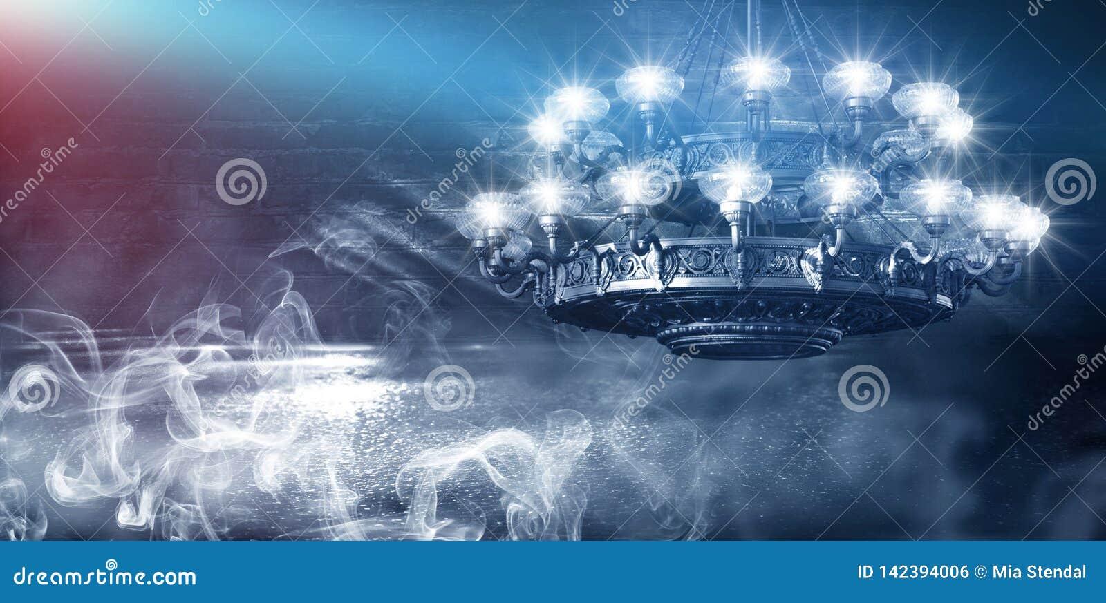 Bakgrundsabstrakt begrepp, abstrakt bakgrund, r?k, smog M?rkt rum f?r nattsikt, rum, korridor med mycket ljus