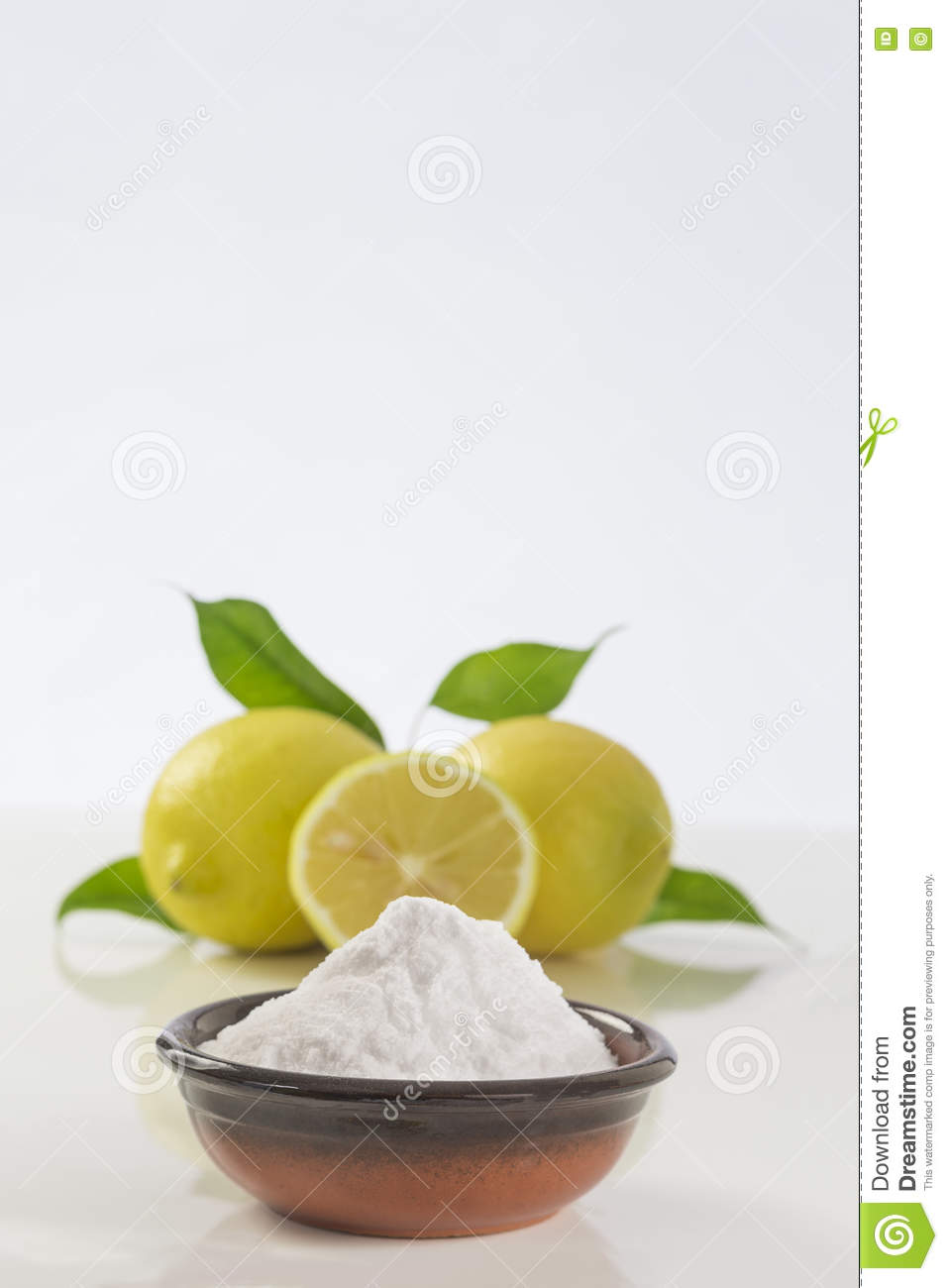 Baking Soda Sodium Bicarbonate Medicinal And Household Uses Stock