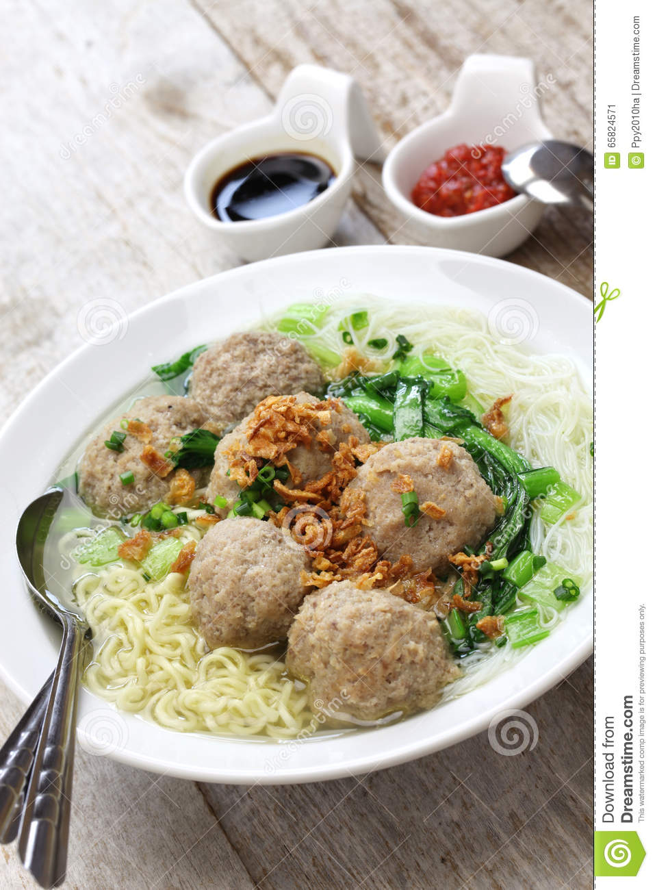 Bakso, Indonesian Meatball Soup With Noodles Stock Image ...