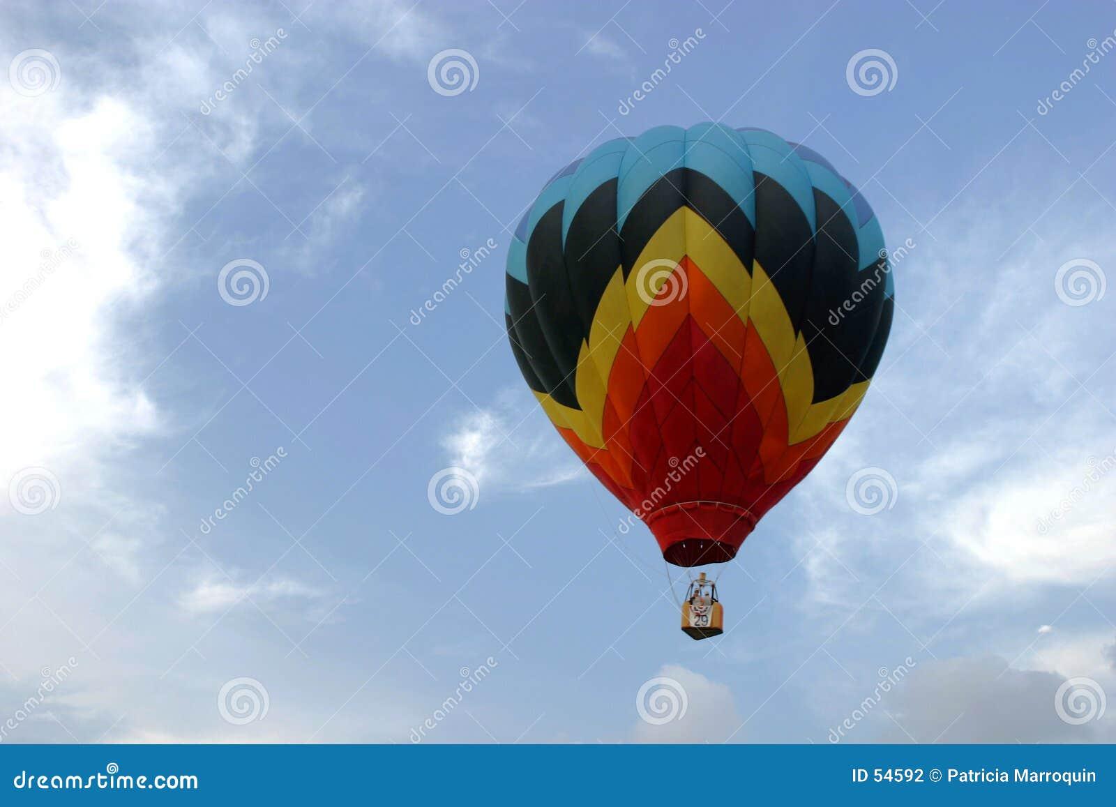Balão que sobe no céu