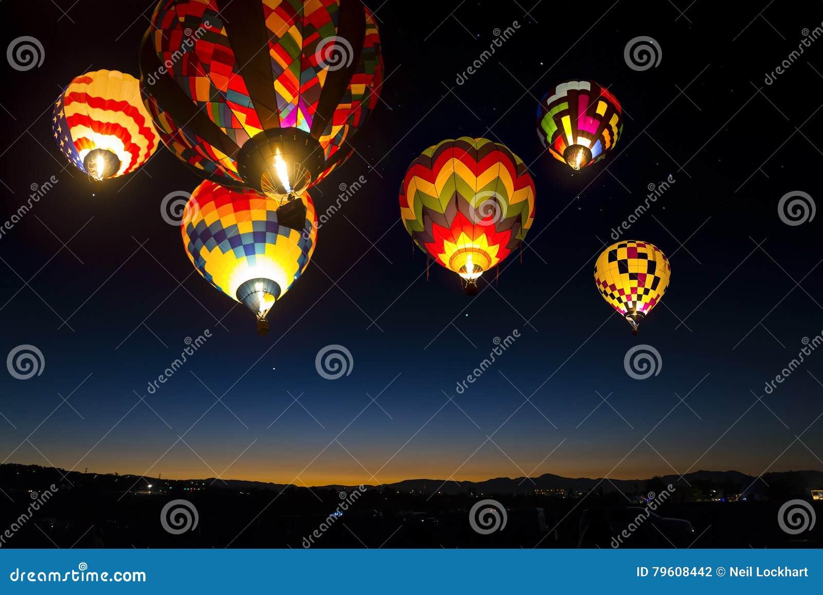 Balões de ar quente no céu, Reno, Nevada