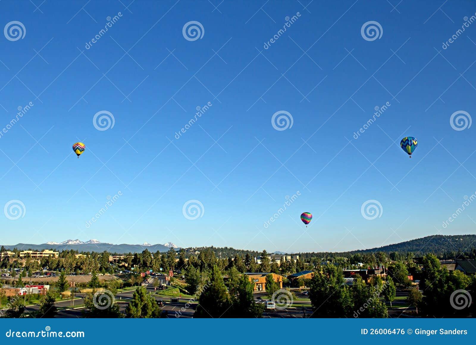 Balões de ar quente sobre a curvatura Oregon