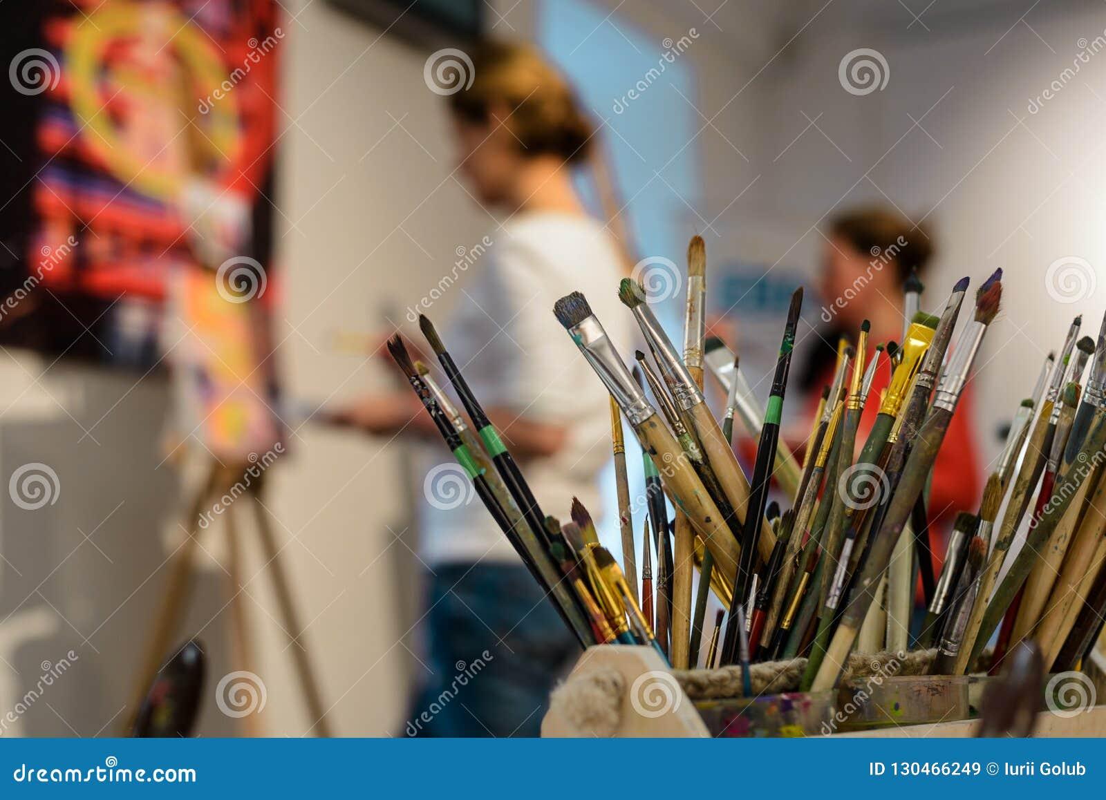 Balais pour la peinture