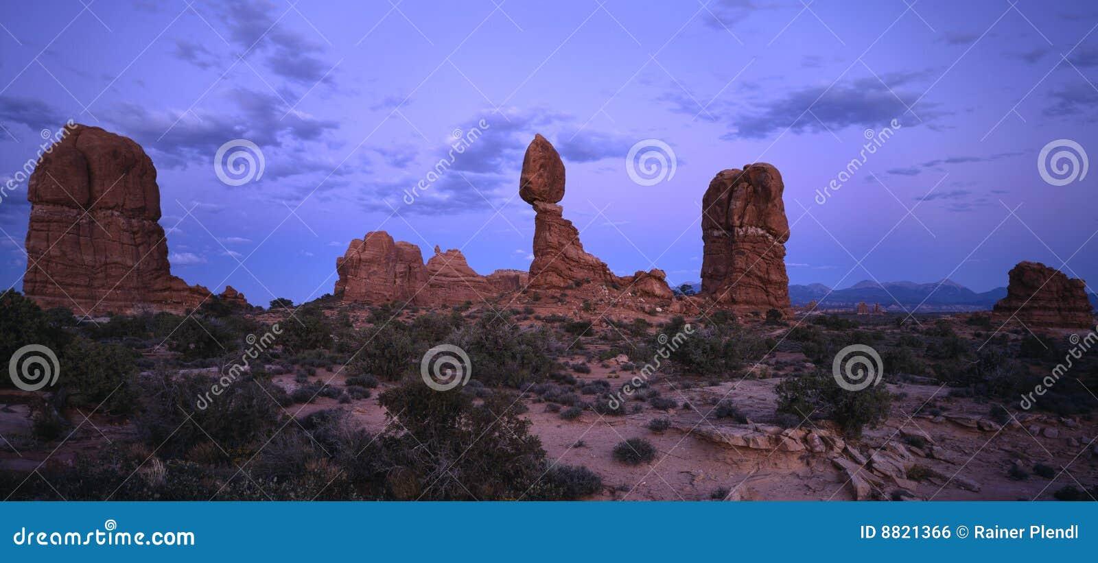 Balanced rock sunset