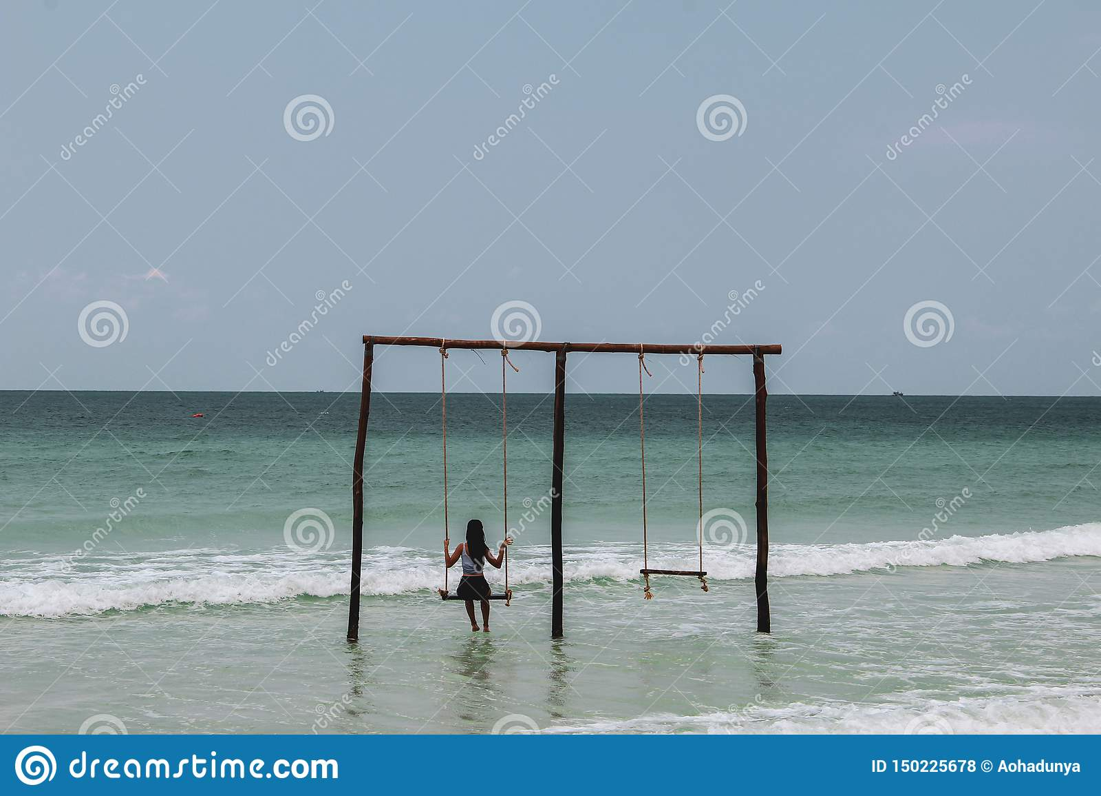 Balanceo en un oscilación en el océano