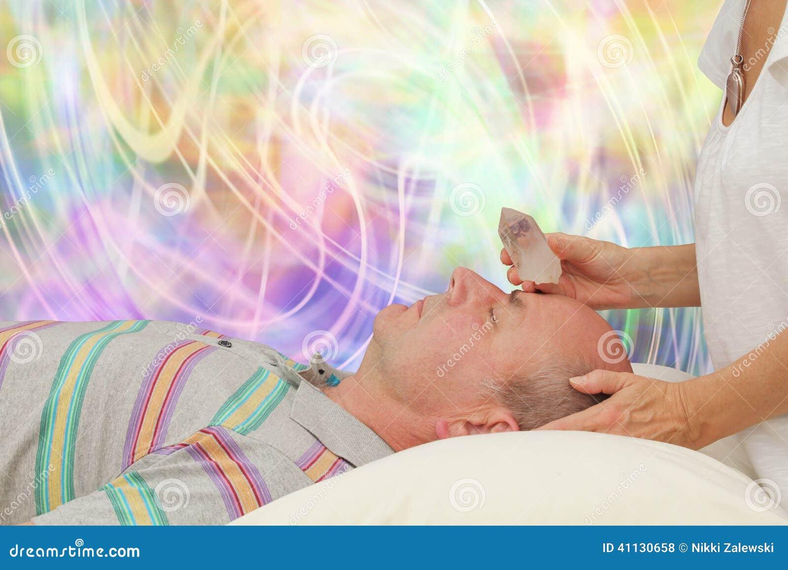 Balansować Trzeci oko Chakra z kończącą kwarc