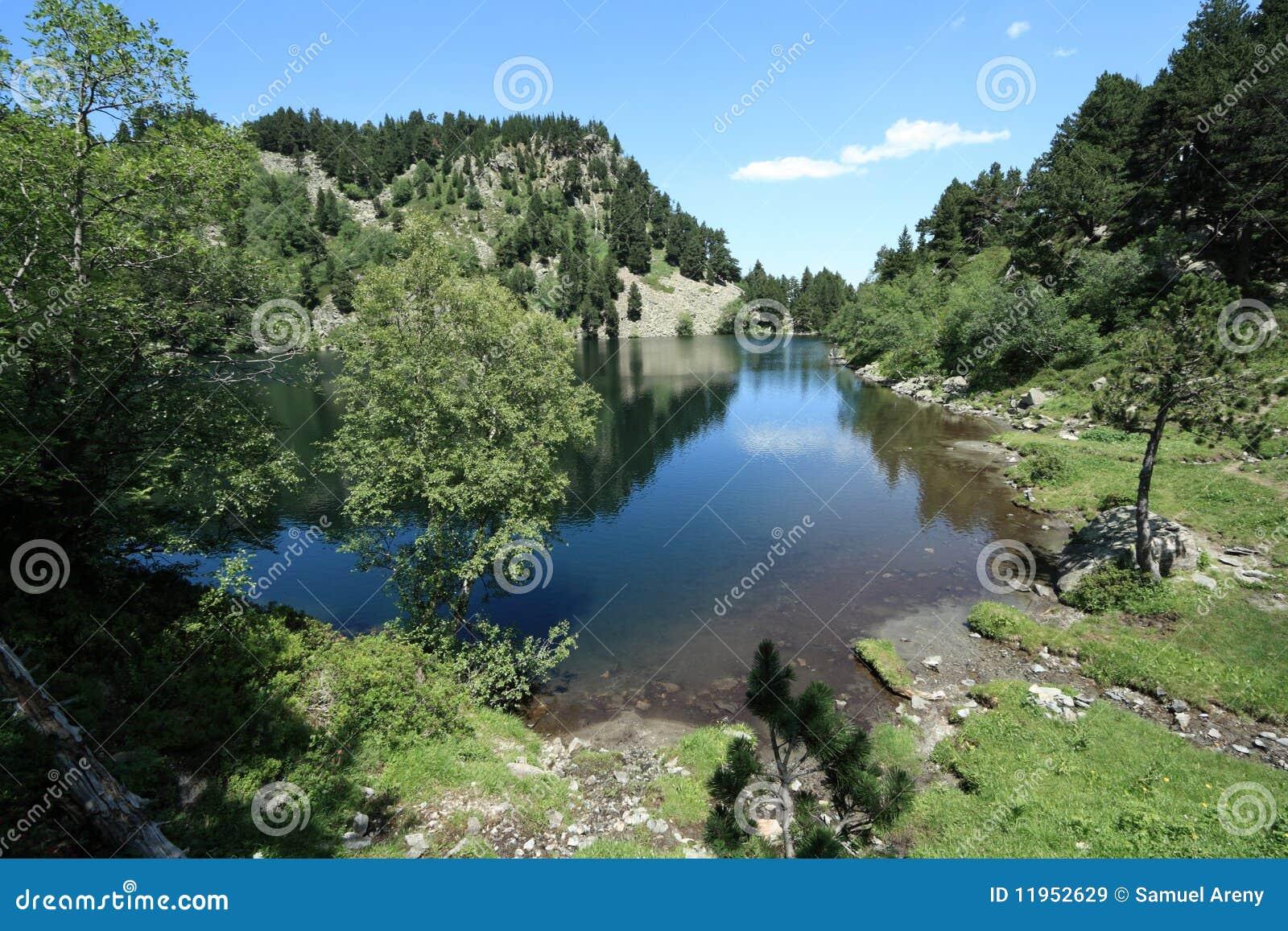 Balbonne See in Pyrenees