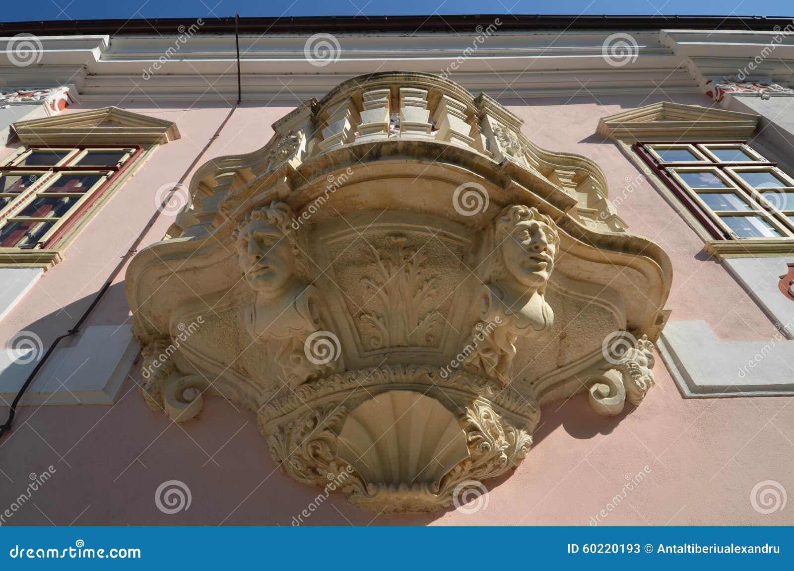 Balcão barroco de Magna Curia do castelo de Bethlen, cidade de Deva, Romênia