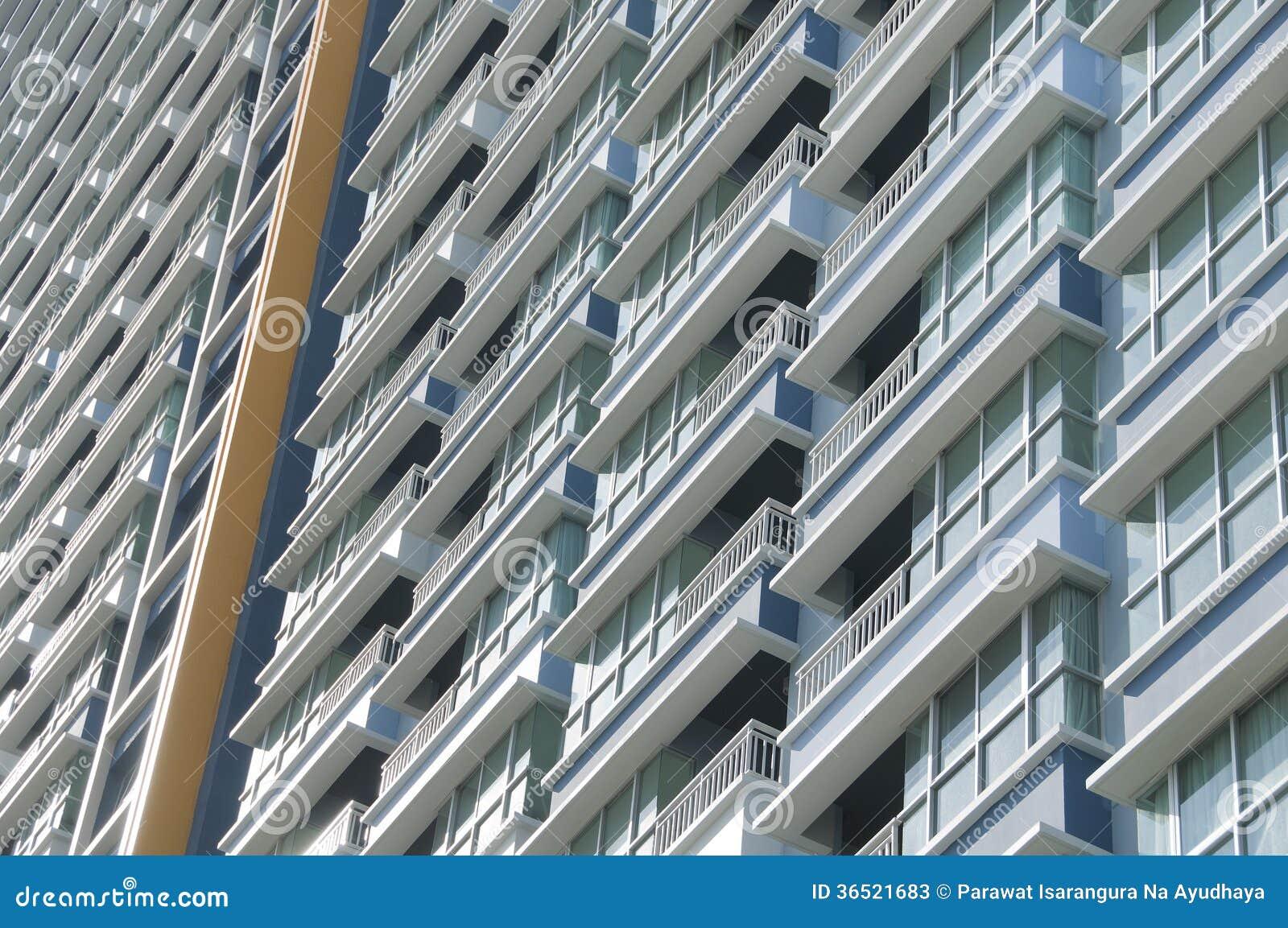 Balcon de bâtiment.