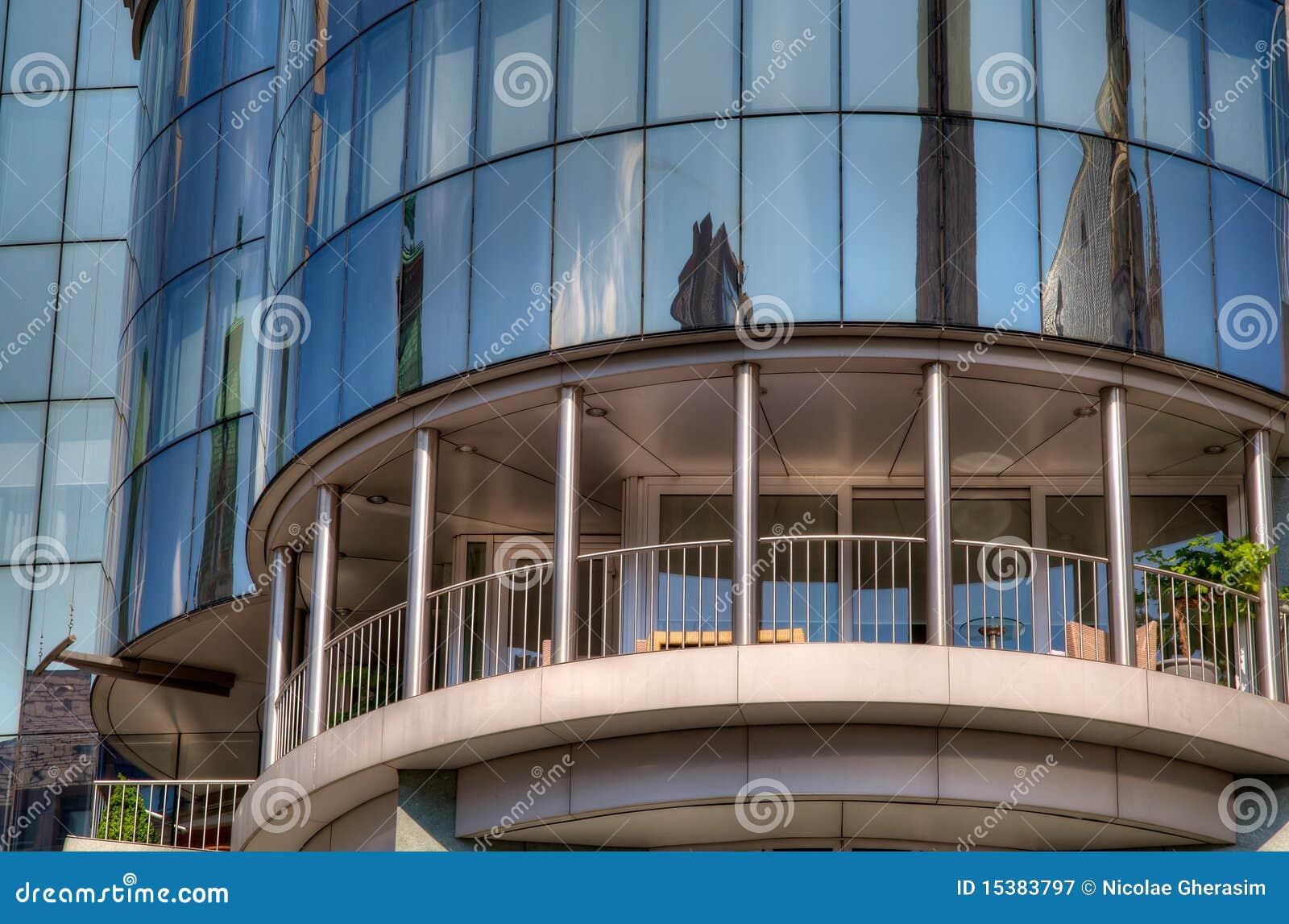 balcon moderne de construction photographie stock libre de droits image 15383797. Black Bedroom Furniture Sets. Home Design Ideas