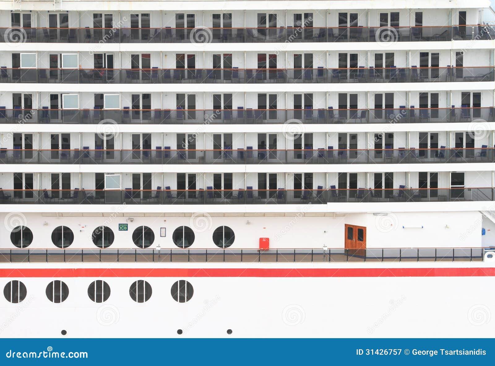 Balconi della cabina di una nave da crociera immagine for Affitti della cabina di whistler