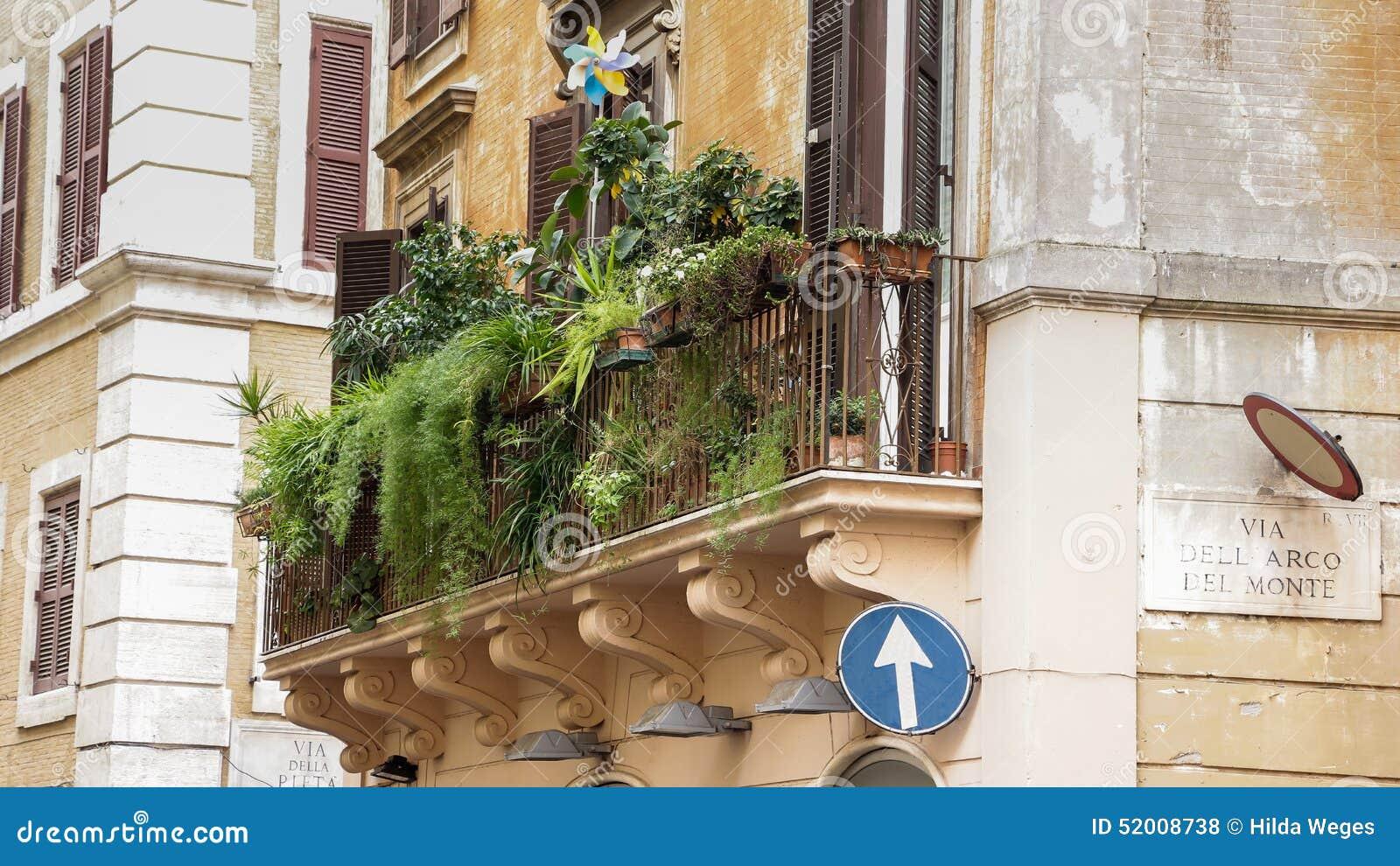 Apartment Balcony Flowers: Wonderful balcony garden ideas to bring ...