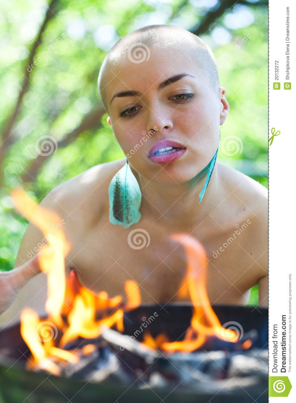 Stock Photography Bald Girl Image20132272 also Batman No Killing Rule Morally Absurd 25246 further Austin additionally User Avatars Without Faces 374087 in addition 428 Coiffure Avec Un Bandeau. on hippie head