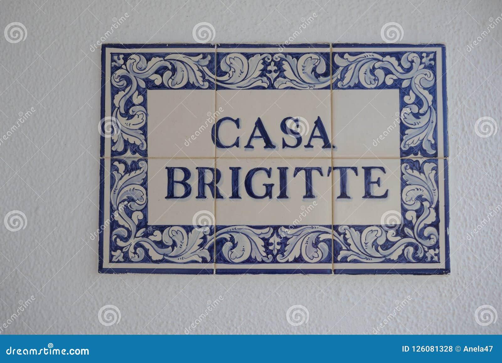 Baldosas cerámicas de BRIGITTE de la CASA, portuguesas o españolas, llamadas azulejos