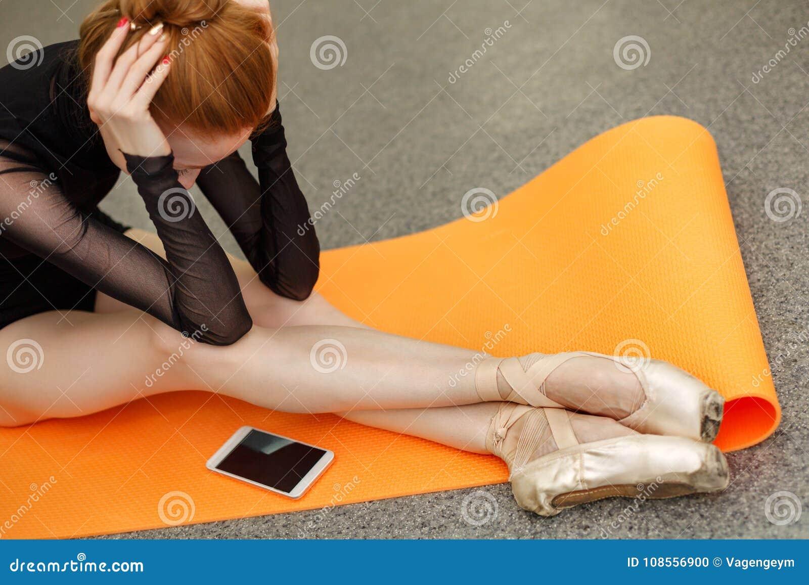 Balerina i telefon komórkowy