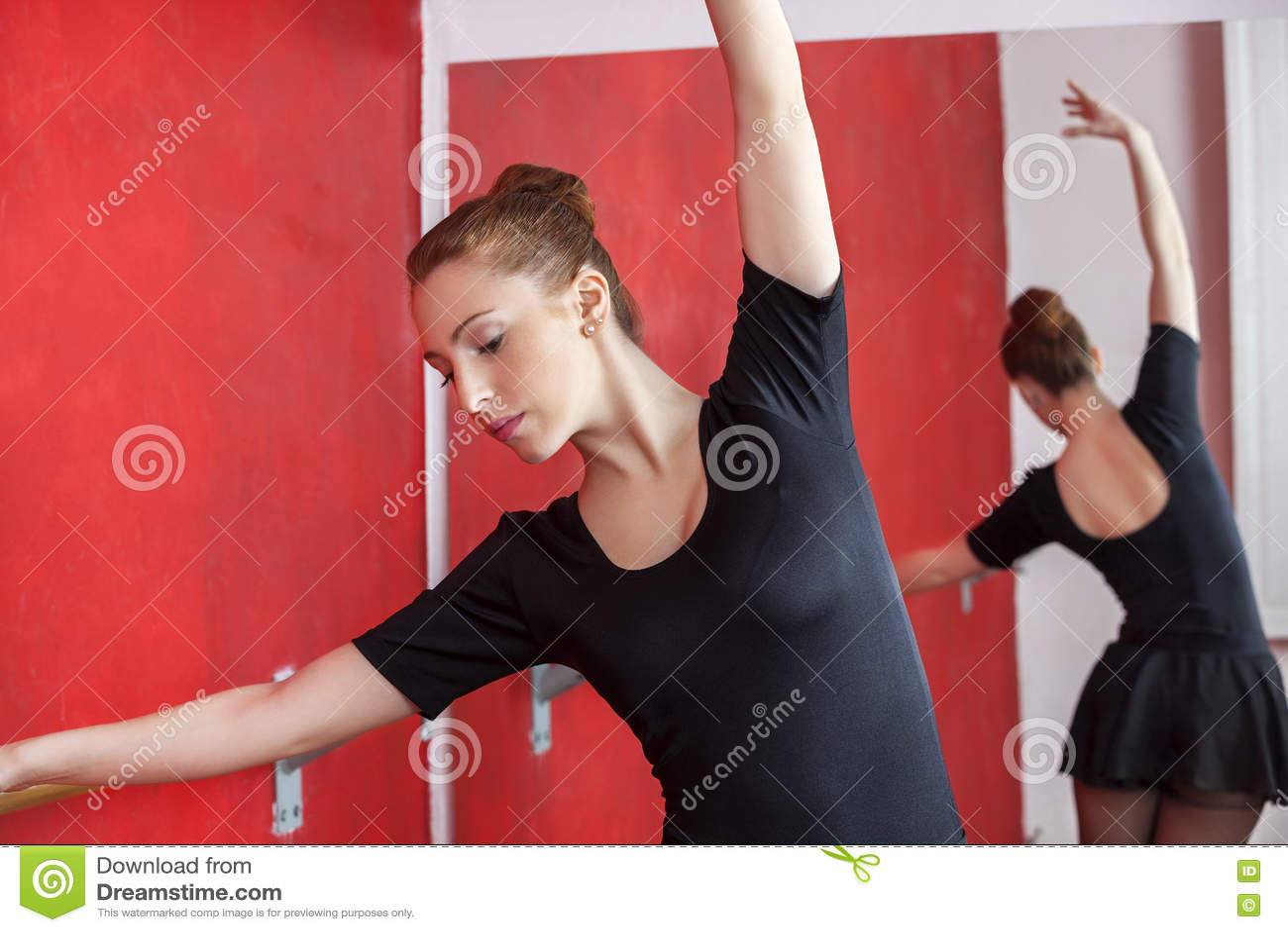 Balerina Próbuje W tana studiu