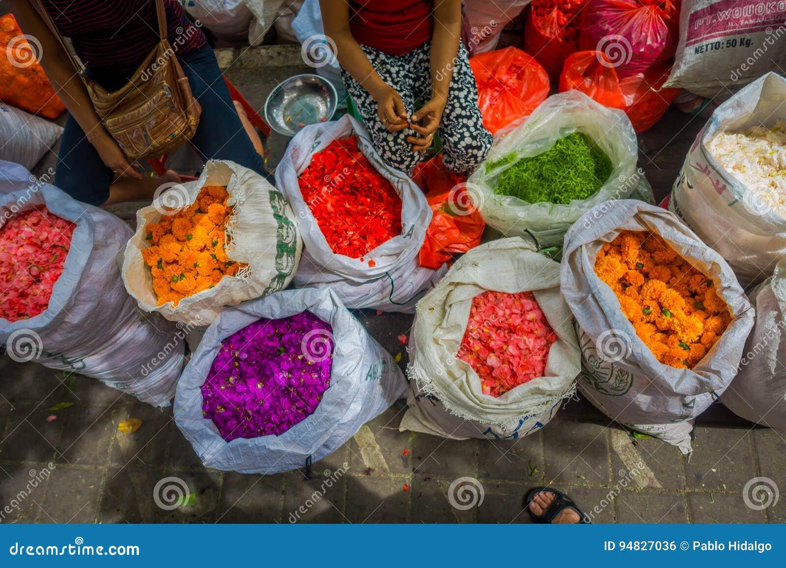Bali Blumenmarkt Im Freien Blumen Werden Täglich Von Den Balinese